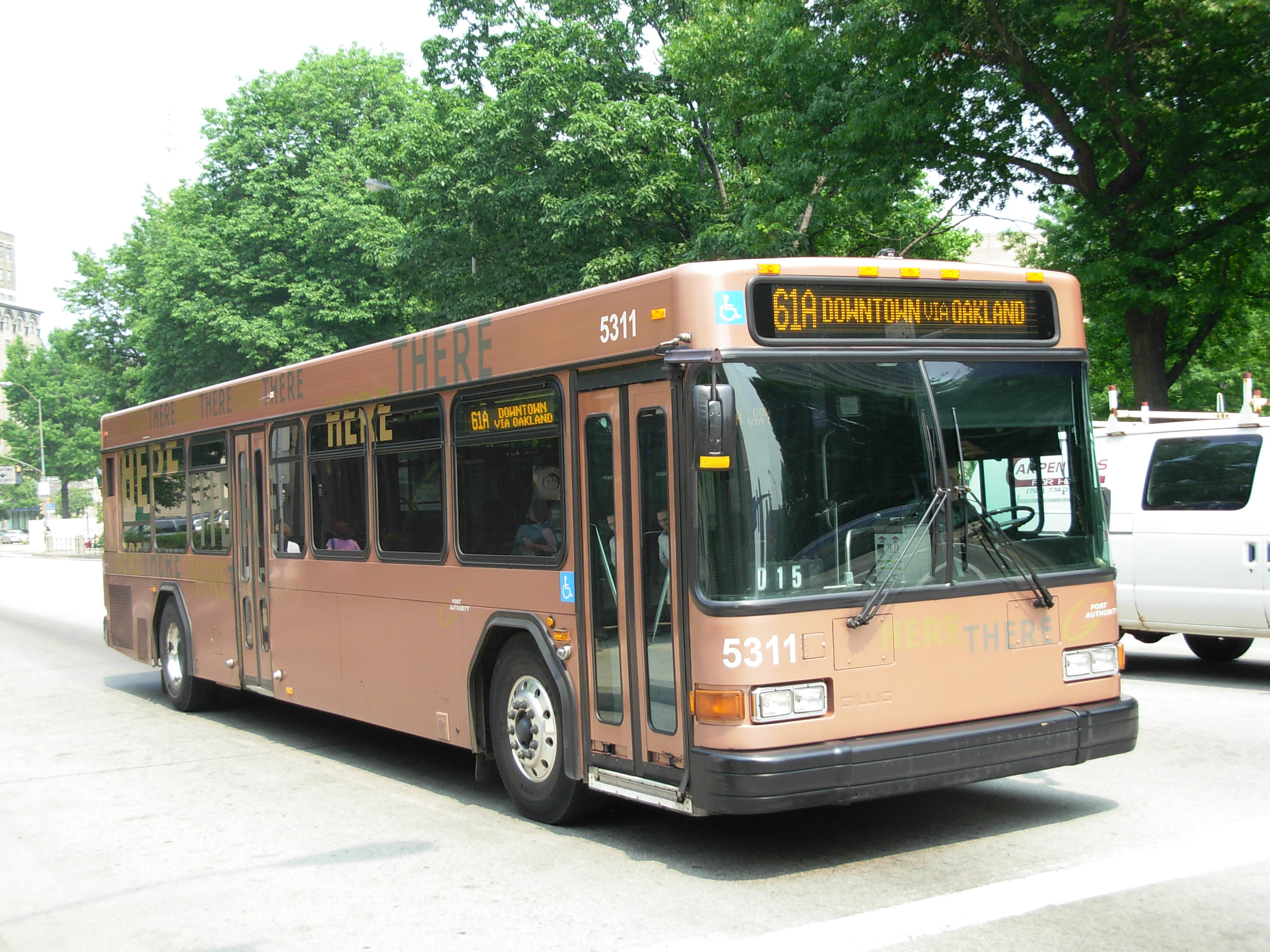 file:port authority bus pittsburgh 02 - wikimedia commons