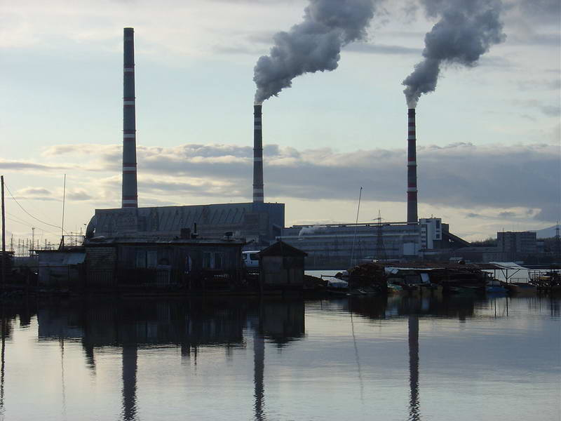 A coal-fired power plant in Luchegorsk, Russia. A carbon tax would tax the CO2 emitted from the power station