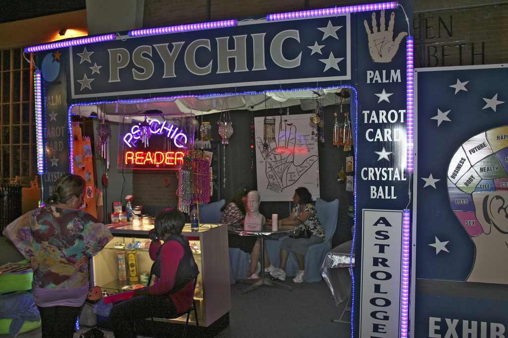 Psychic reading - Wikipedia