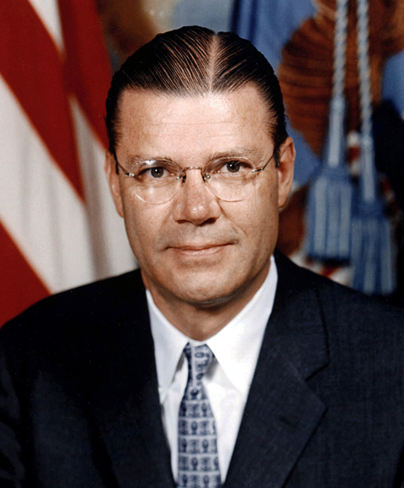 File:Robert McNamara 1-1.jpg - Wikimedia Commons