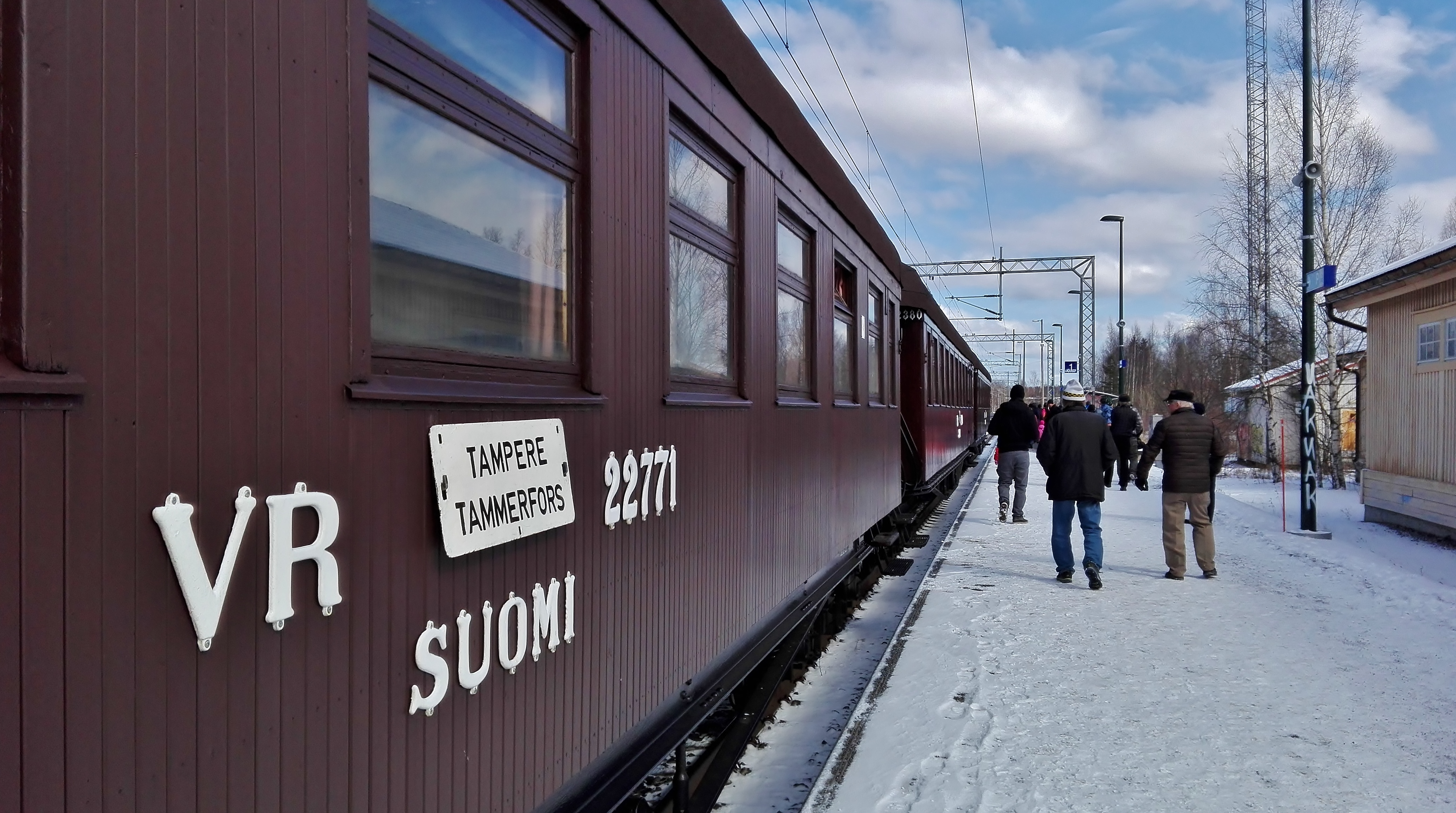 Siuro railway station 16th April 2017 Easter steam train Nokia-Tampere 2.jpg