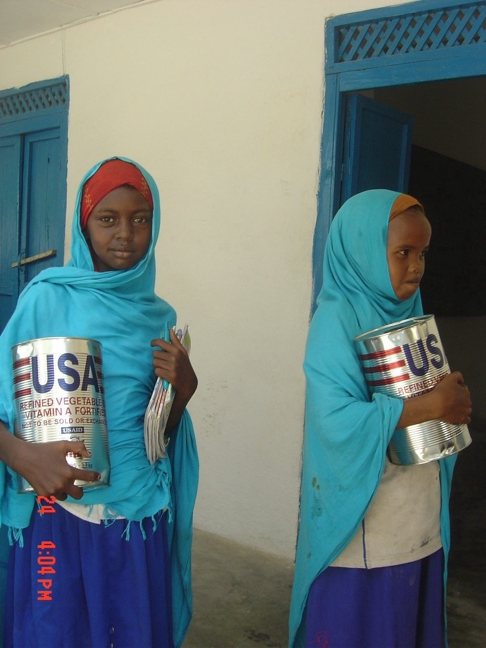 Somali Women And Men In Traditional Clothes