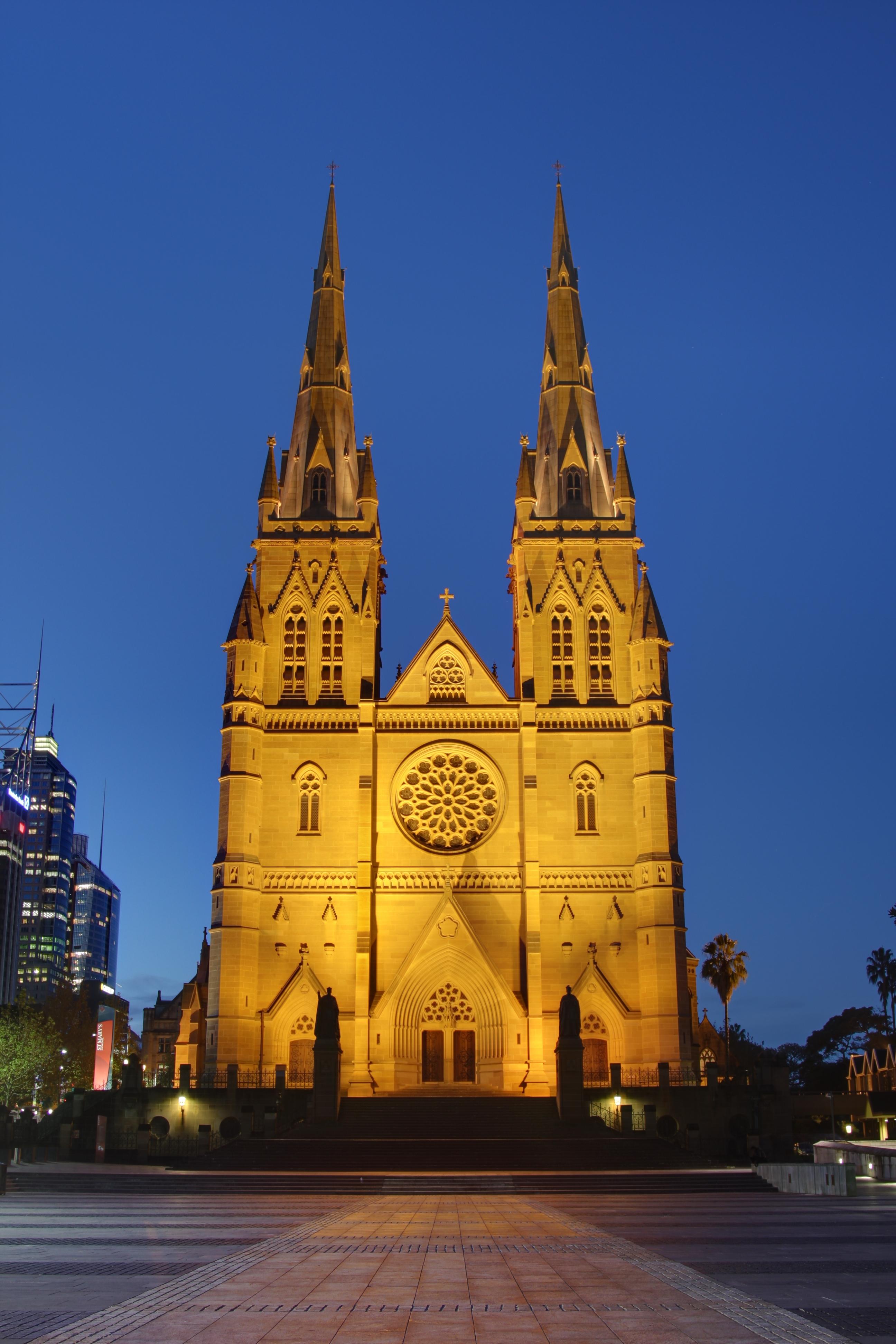 St. Maria se katedraal in Sydney. Sowat 'n kwart van die Australiërs is Rooms-Katolieke