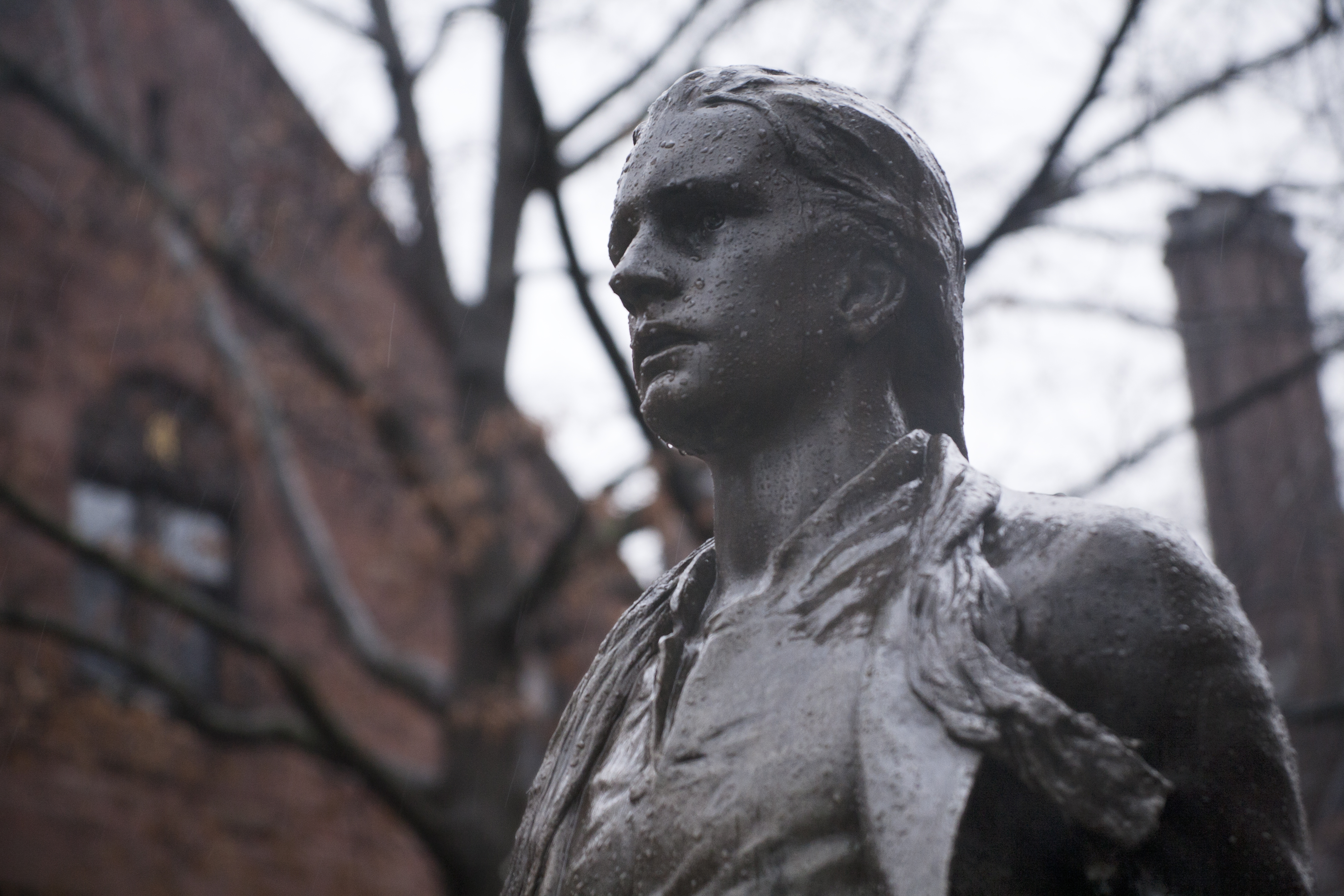 nathan hale Robert rogers played a key role in the capture of nathan hale  the next hard  evidence of his whereabouts did not come until september 22d, ie,  most of  september cruising long island sound in a british sloop looking for fighting men.
