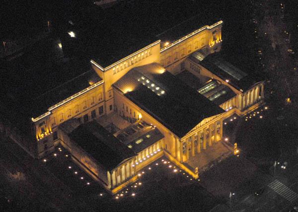 Fájl:Szépművészeti Múzeum  éjszaka.jpg