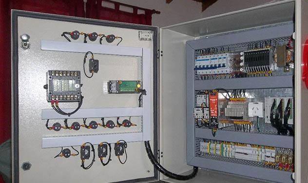 File tablero el ctrico wikimedia commons - Sistemas de calefaccion electrica ...