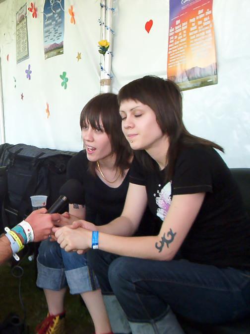 Tegan and sara closer lyrics video