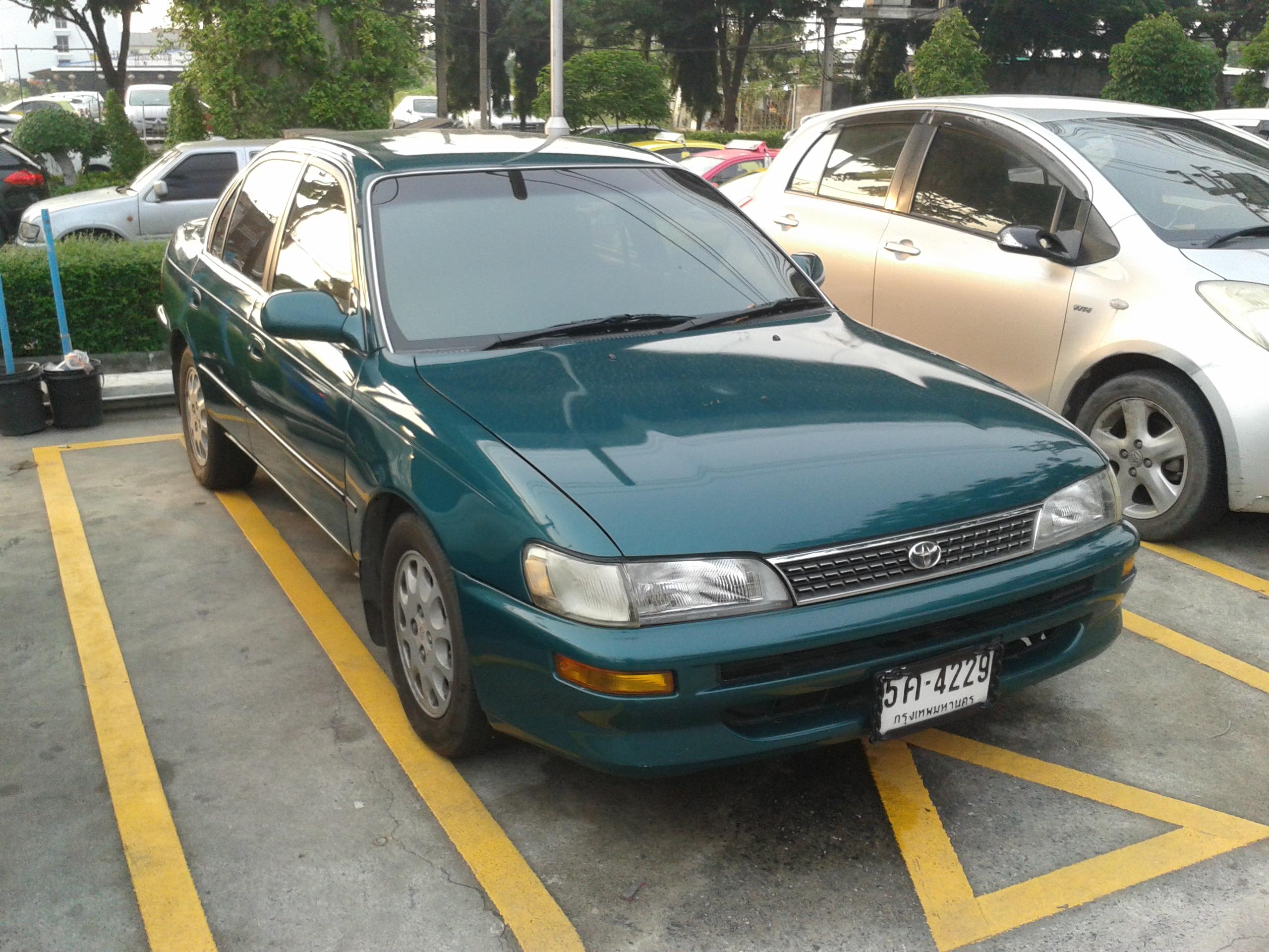 File:Toyota Corolla (E100) 02 jpg - Wikimedia Commons