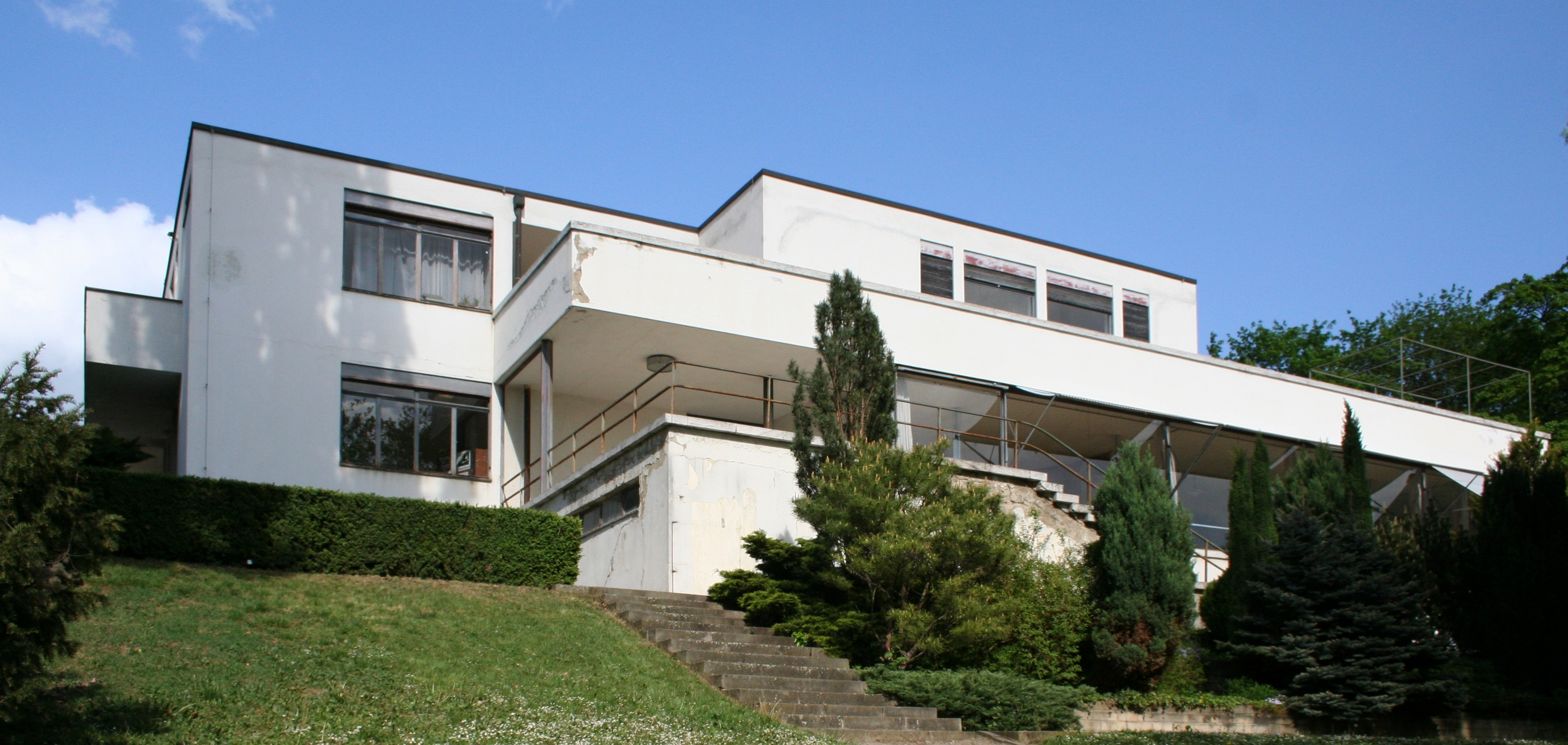 File villa tugendhat wikimedia commons for Moderne architektur villa