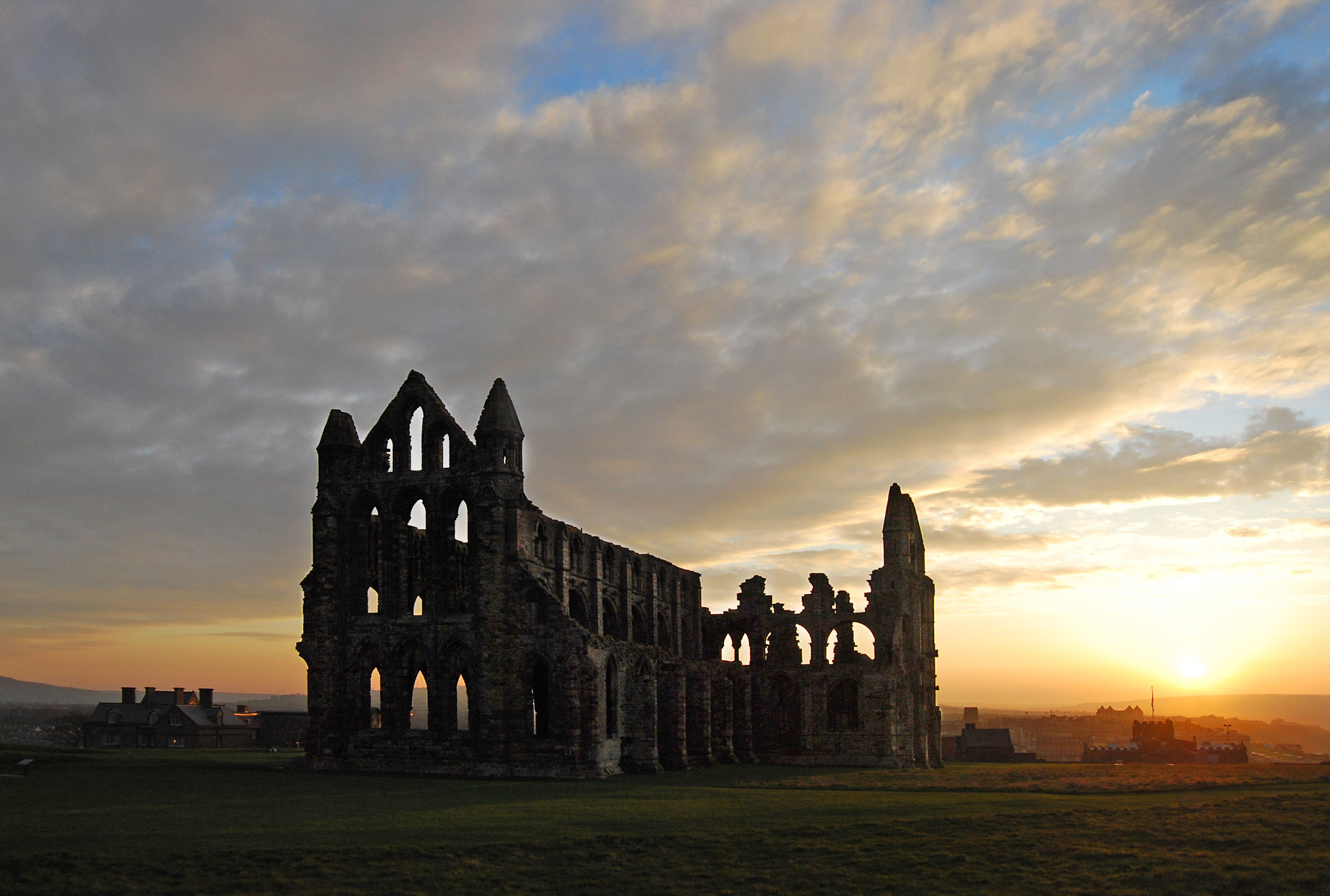 Whitby Abbey at sunset.jpg