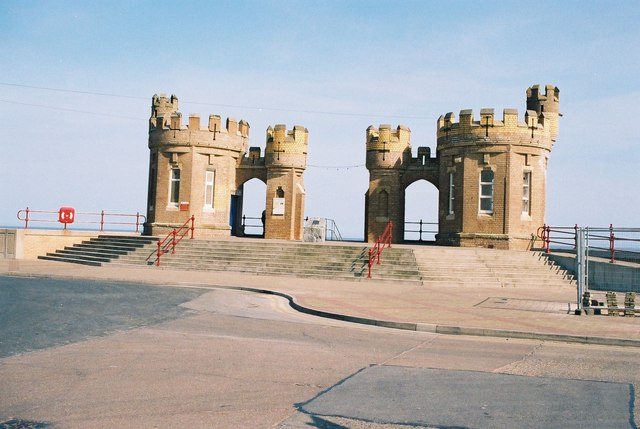 File:Withernsea, entrance to the beach - geograph.org.uk - 133786