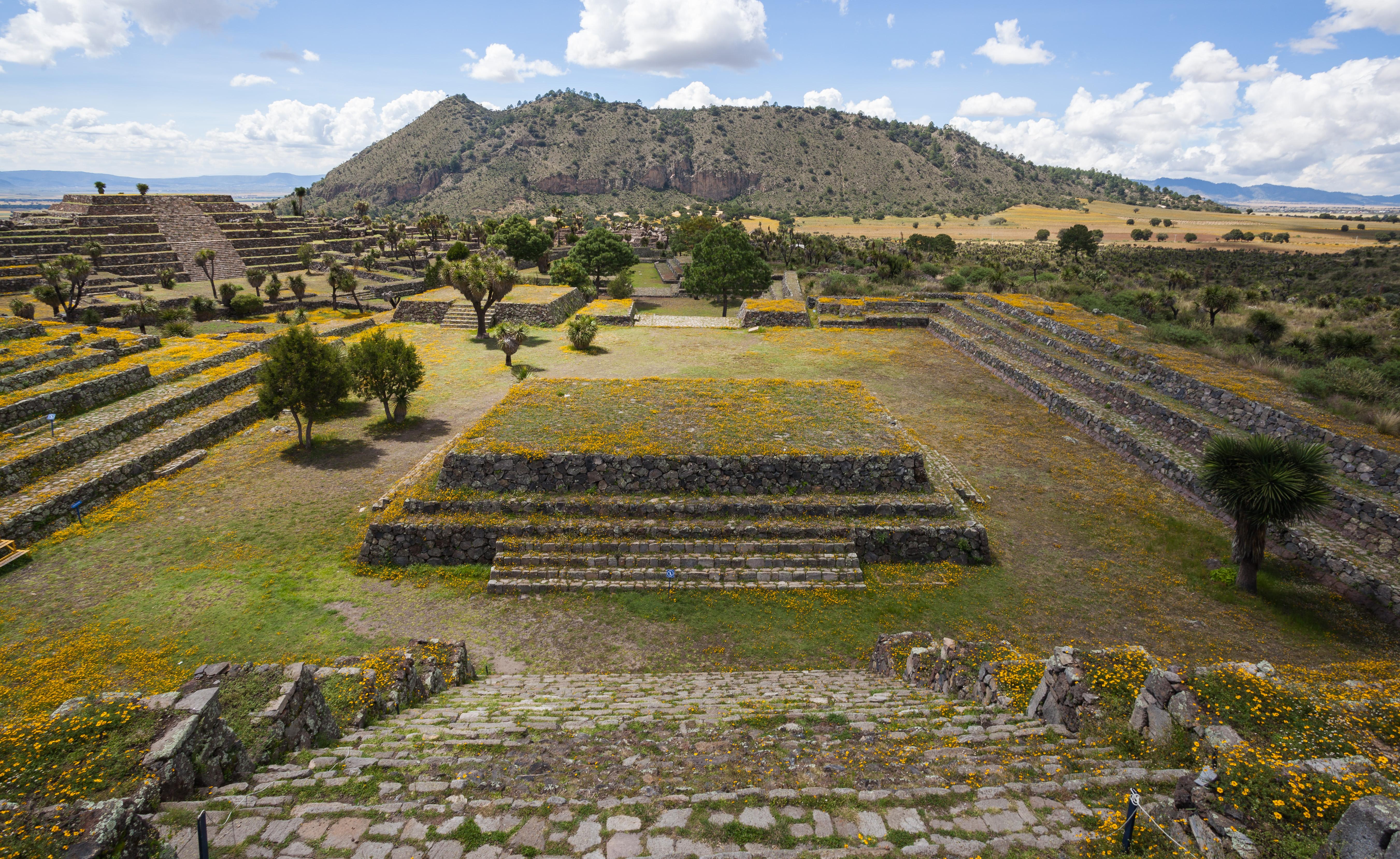 File:Zona arqueológica de Cantona, Puebla, México, 2013-10