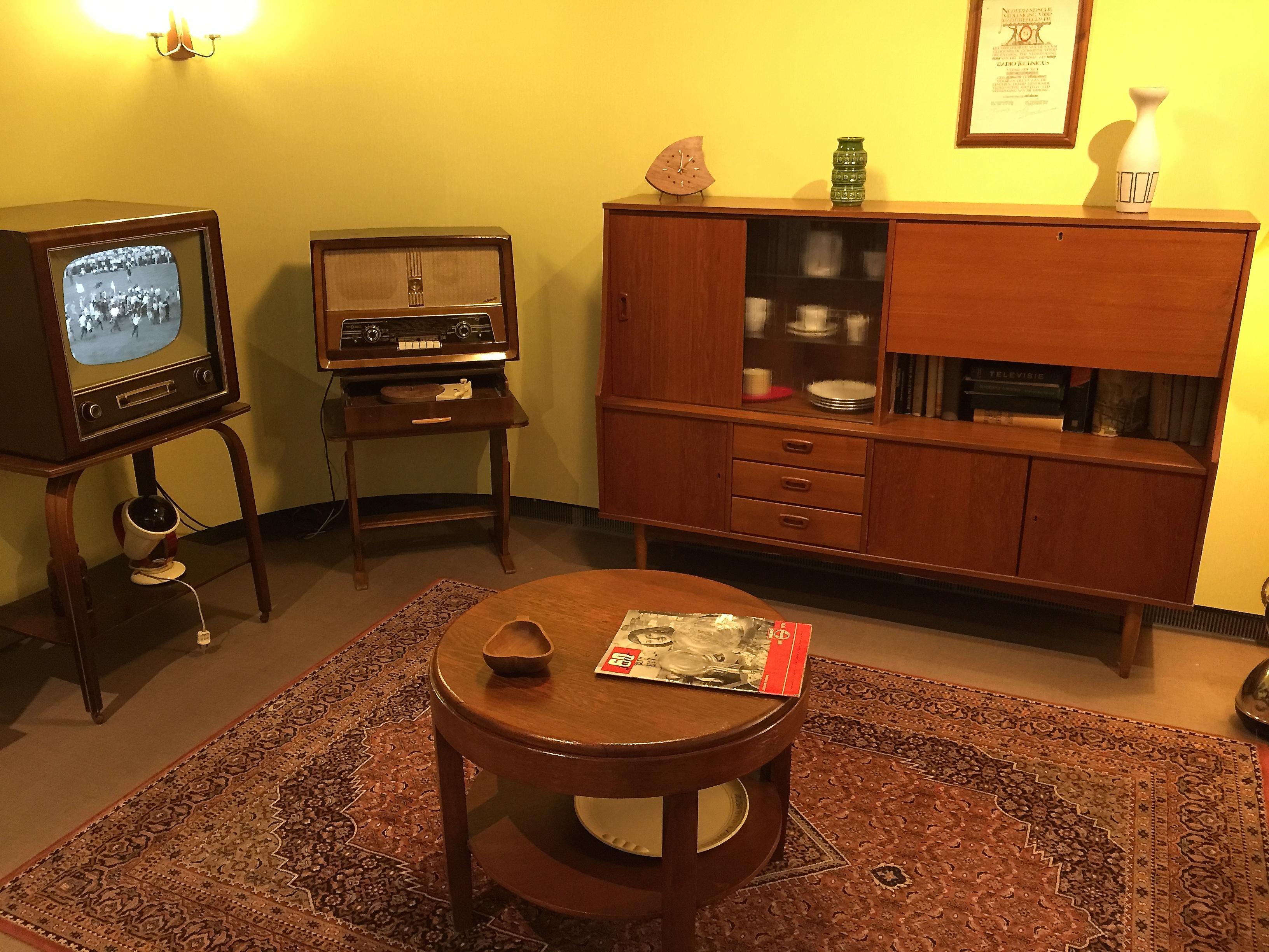 File:\'Huiskamer jaren 50\' (16183341671).jpg - Wikimedia Commons