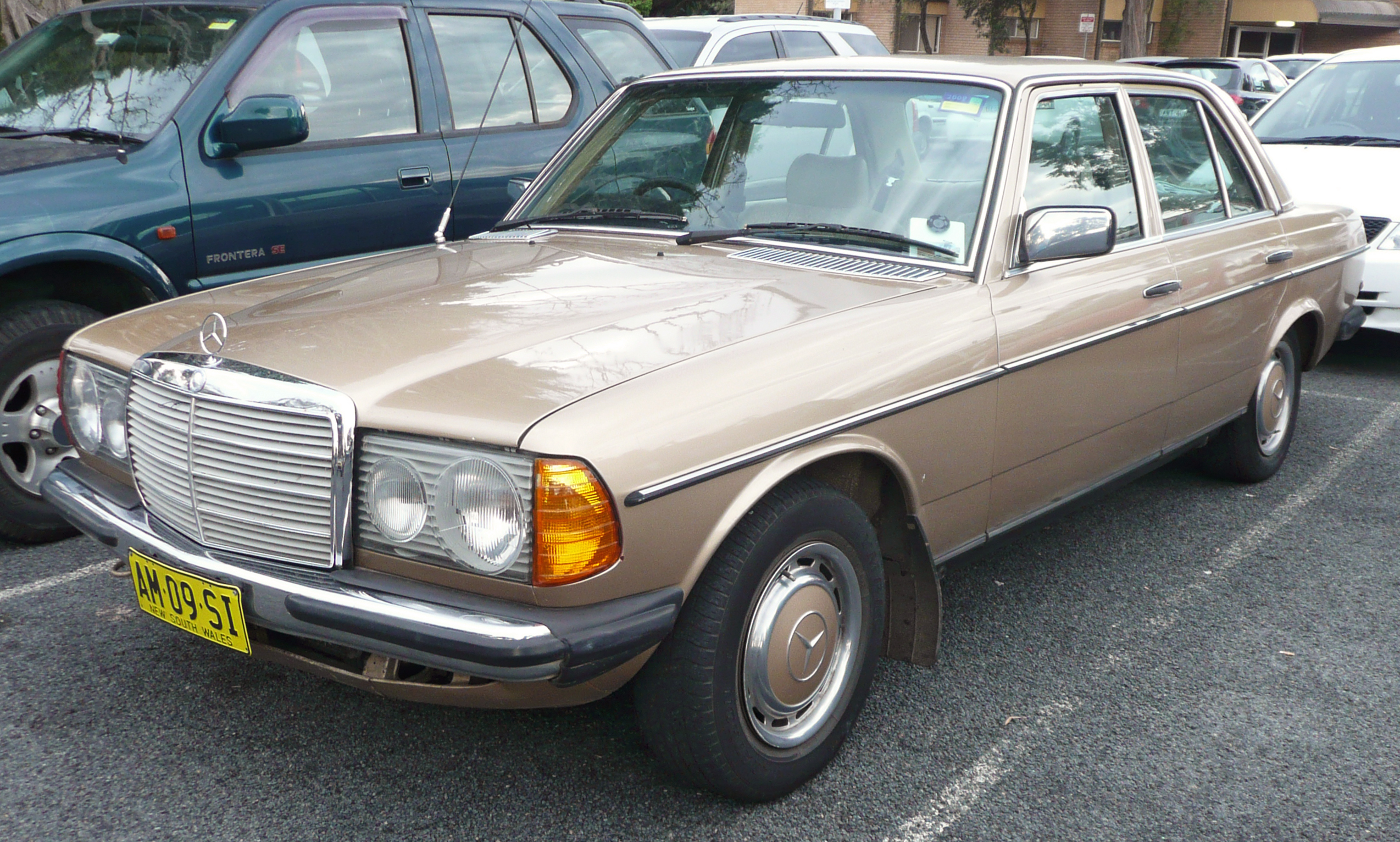 file 1979 1982 mercedes benz 300 d w123 sedan wikimedia commons. Black Bedroom Furniture Sets. Home Design Ideas