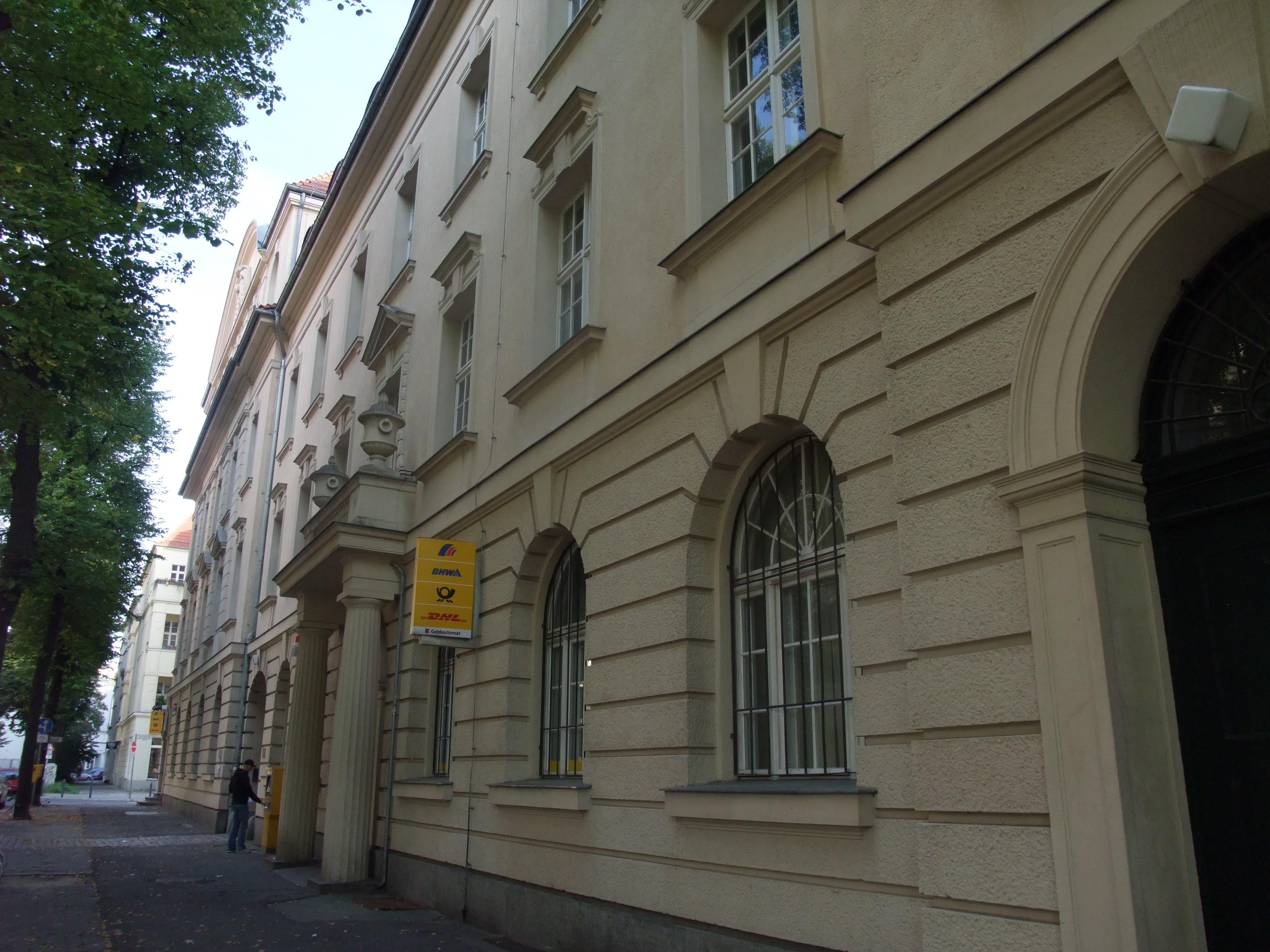 file 20110904 023 berlin weissensee charlottenburger strasse postamt jpg wikimedia commons. Black Bedroom Furniture Sets. Home Design Ideas
