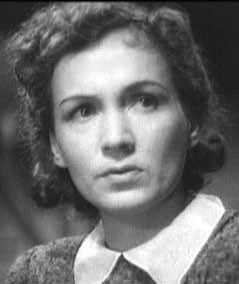 Ada Vojtsik as Vanda.JPG