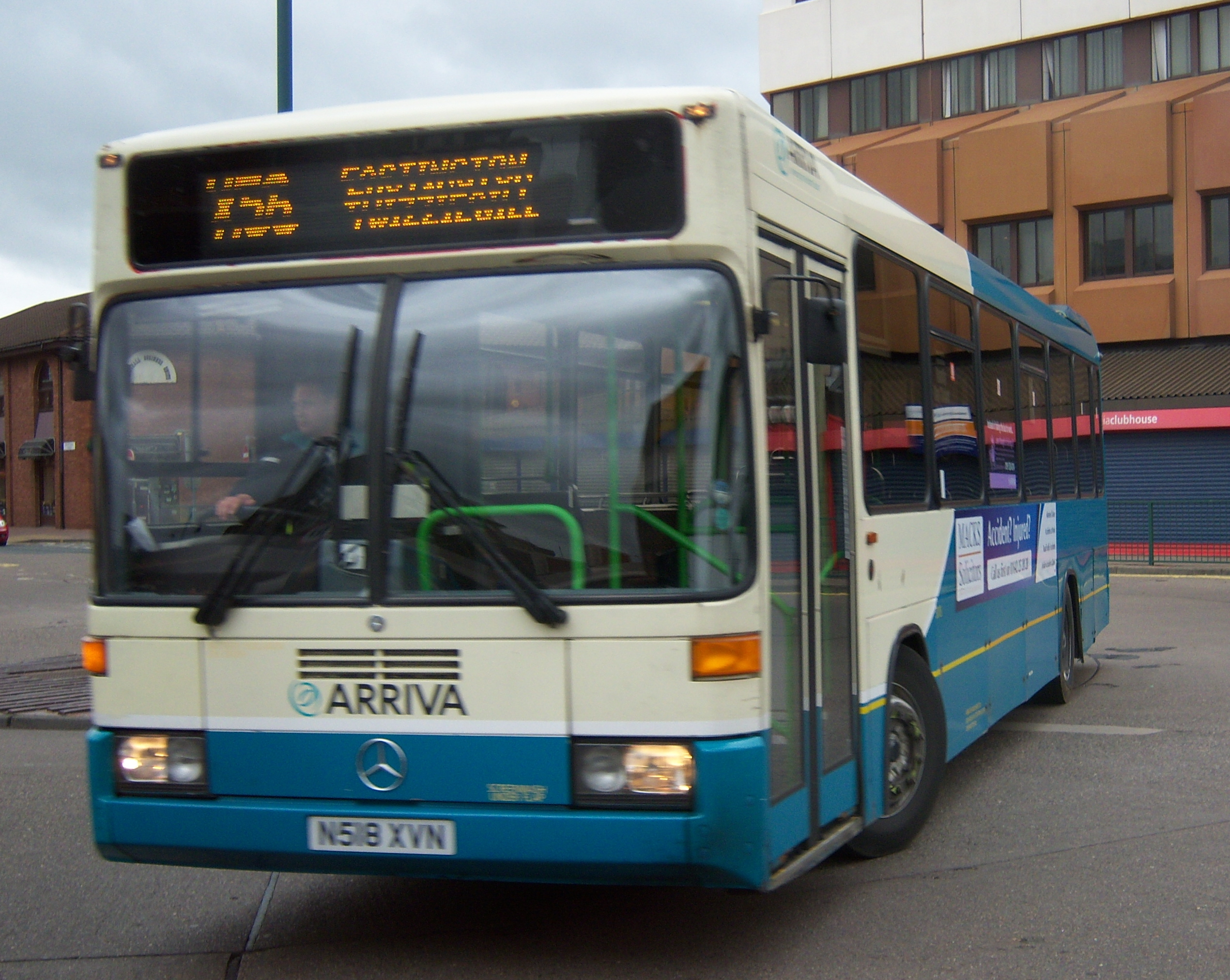 File:Arriva bus Mercedes Benz O405 Optare N518 XVN in