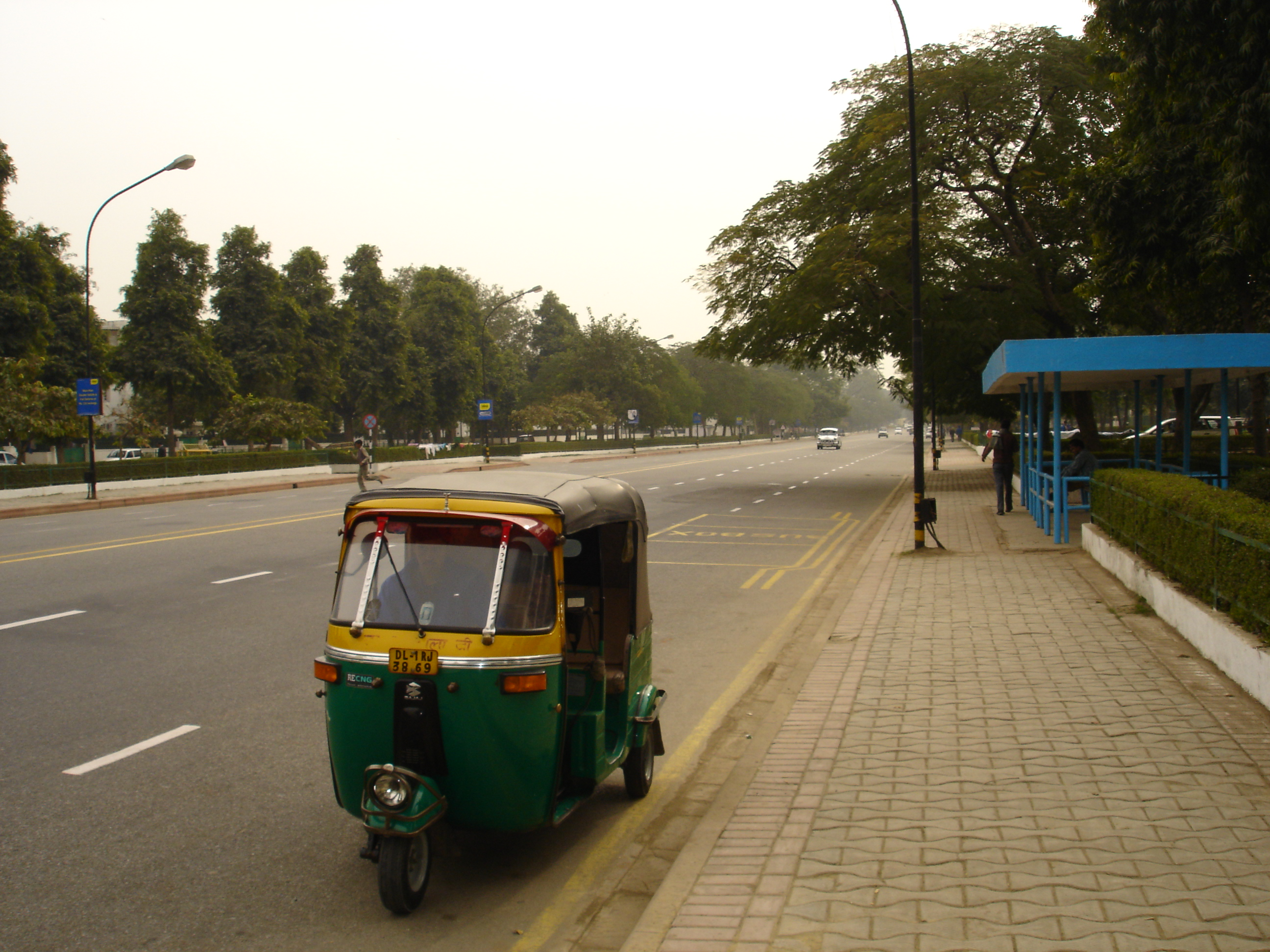 File autorickshaw in new delhi 2005 jpg