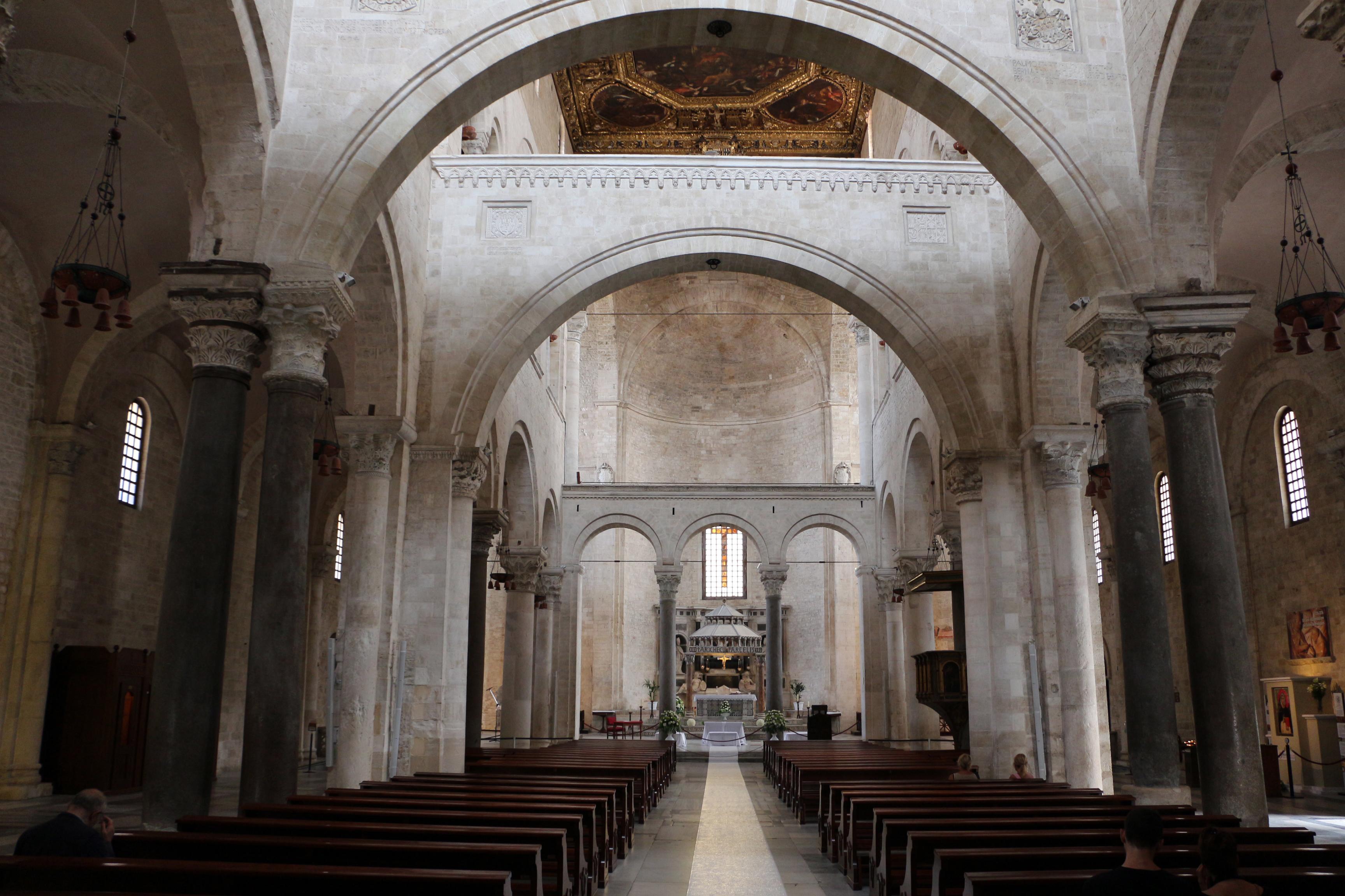 File Bari San Nicola Interno Wikimedia Commons