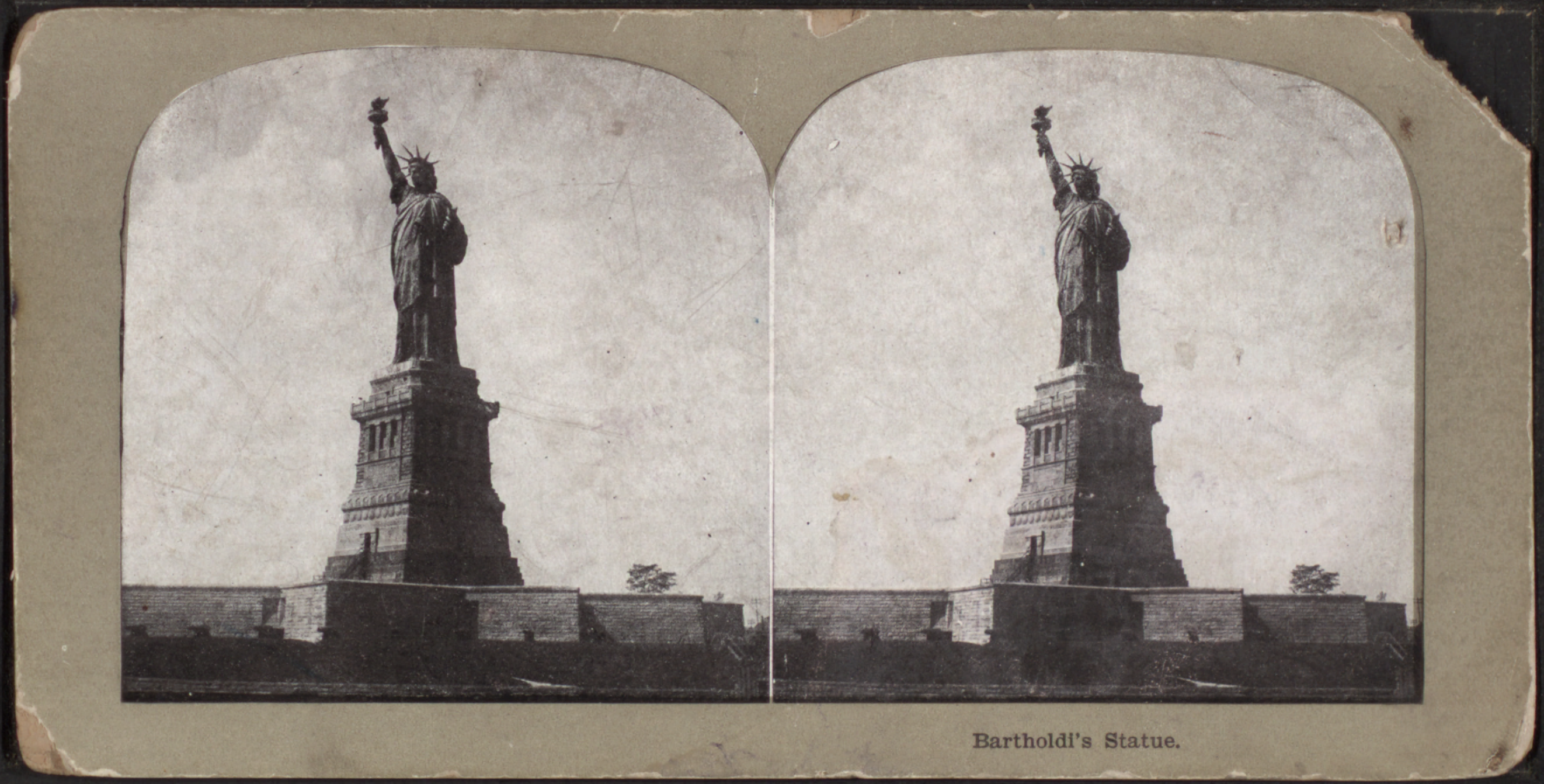 Bartholdi's statue (the Statue of Liberty), from Robert N. Dennis collection of stereoscopic views 3.png