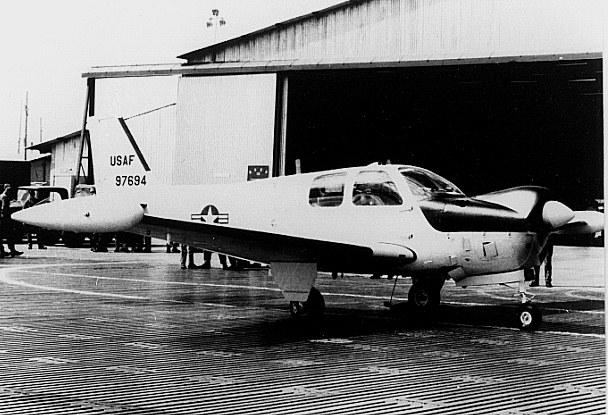File:Beechcraft QU-22.jpg