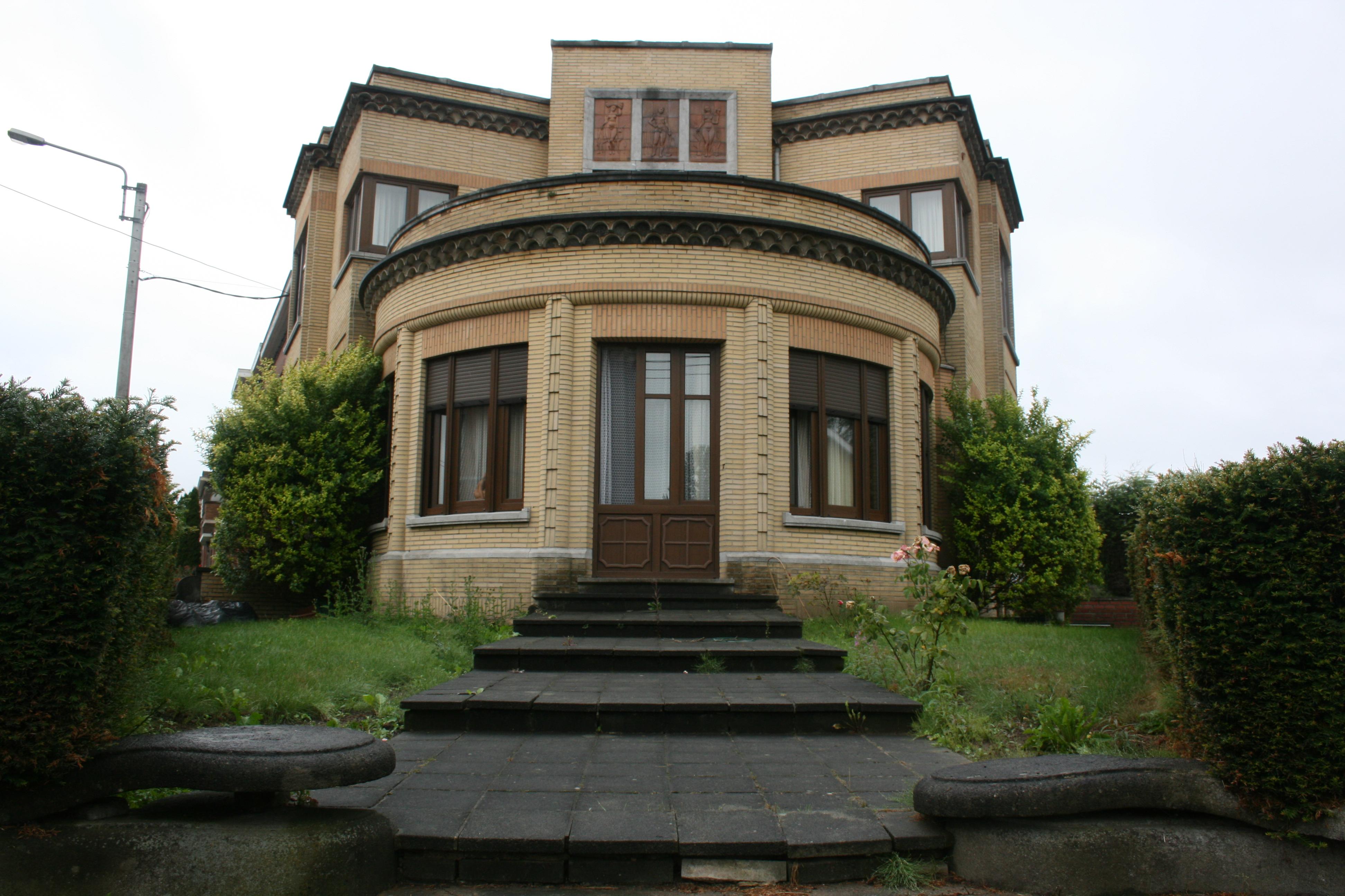 File belgique fleurus architecture style for Architecture technique