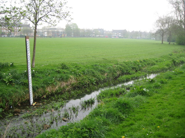 Borehamwood, Tykes Water and Brook Meadow - geograph.org.uk - 1260475