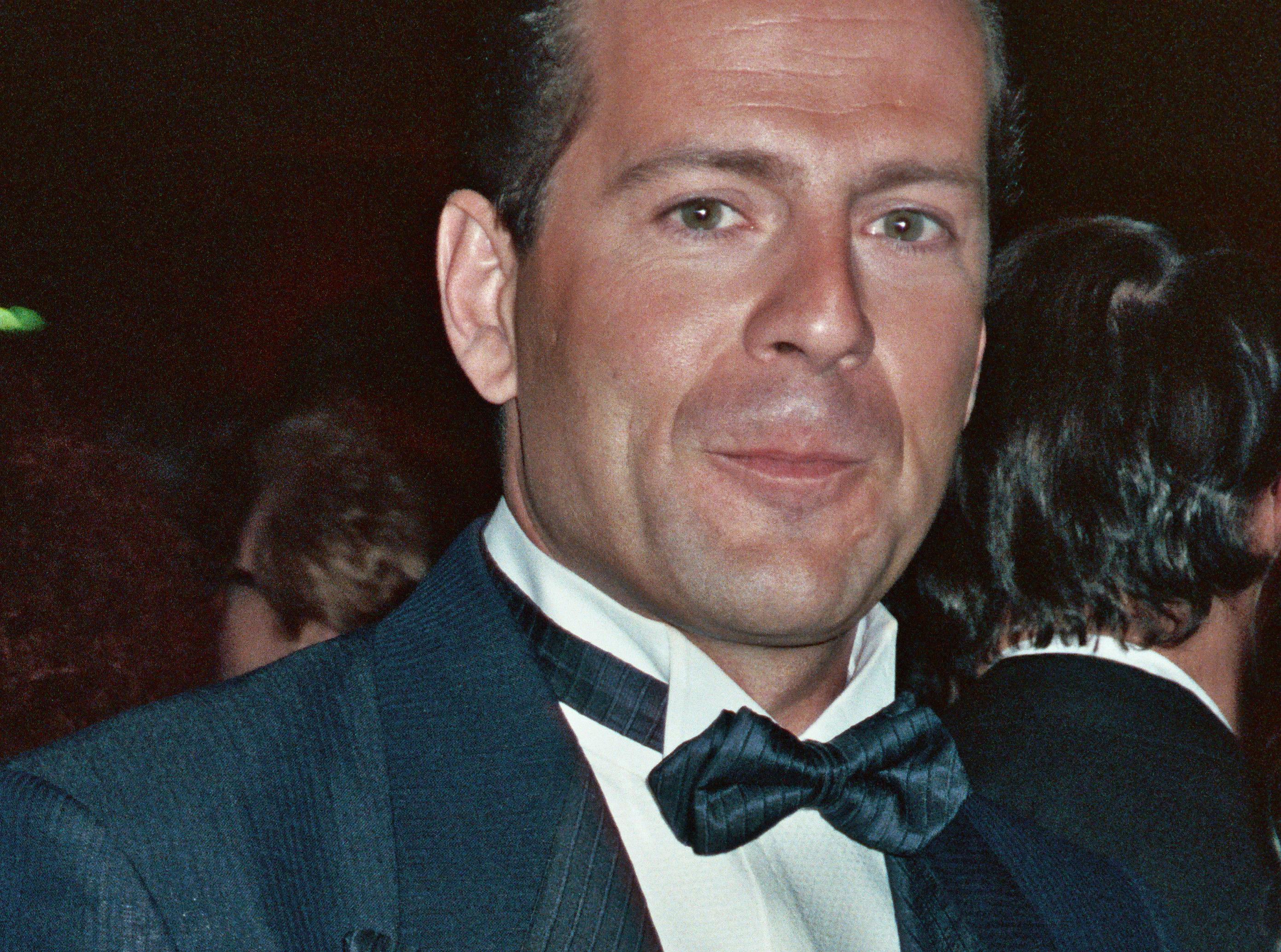 Image:Bruce Willis beautiful wallpaper 1989.jpg ... beautiful wallpaper
