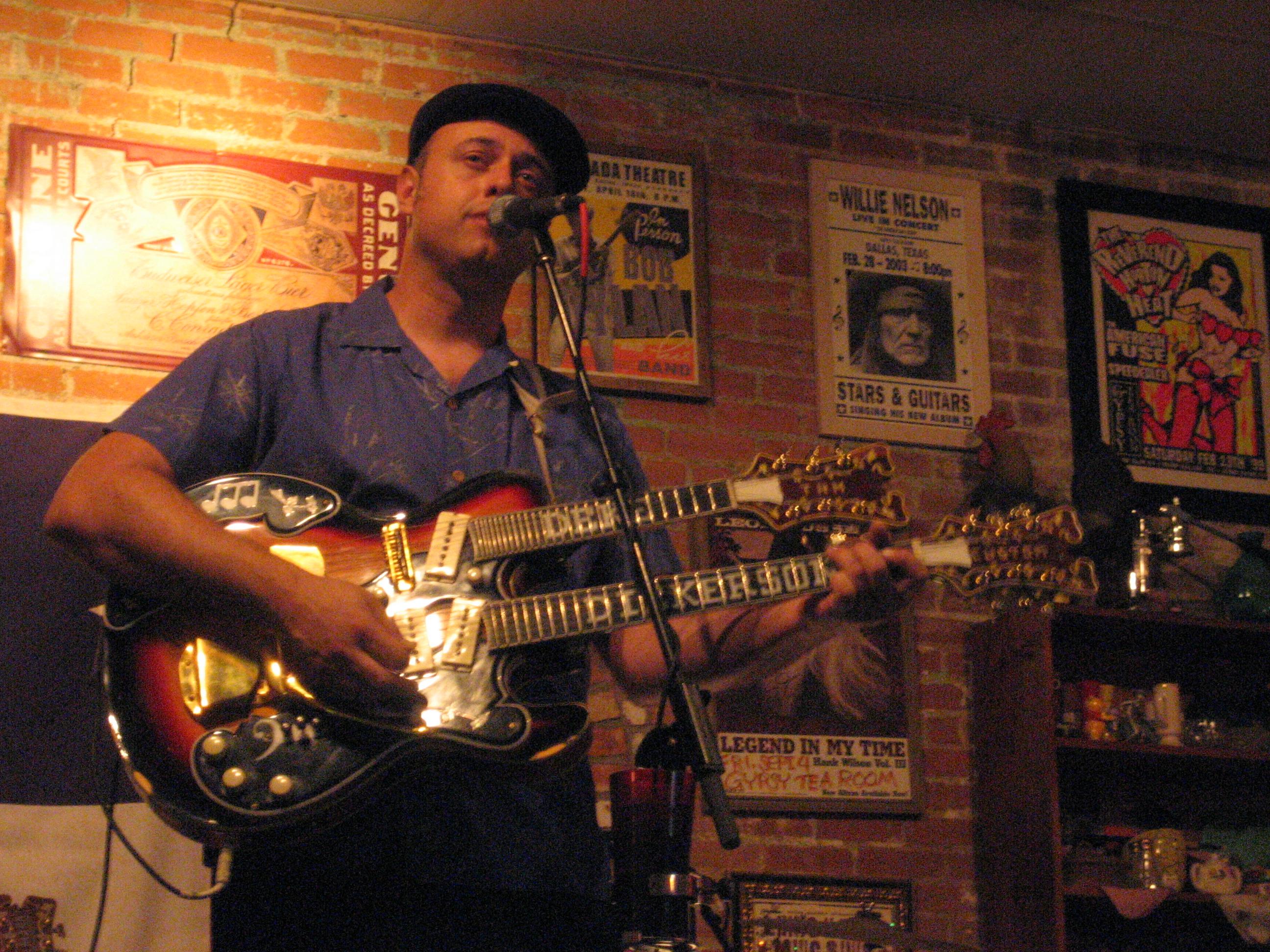 Deke Dickerson in 2008