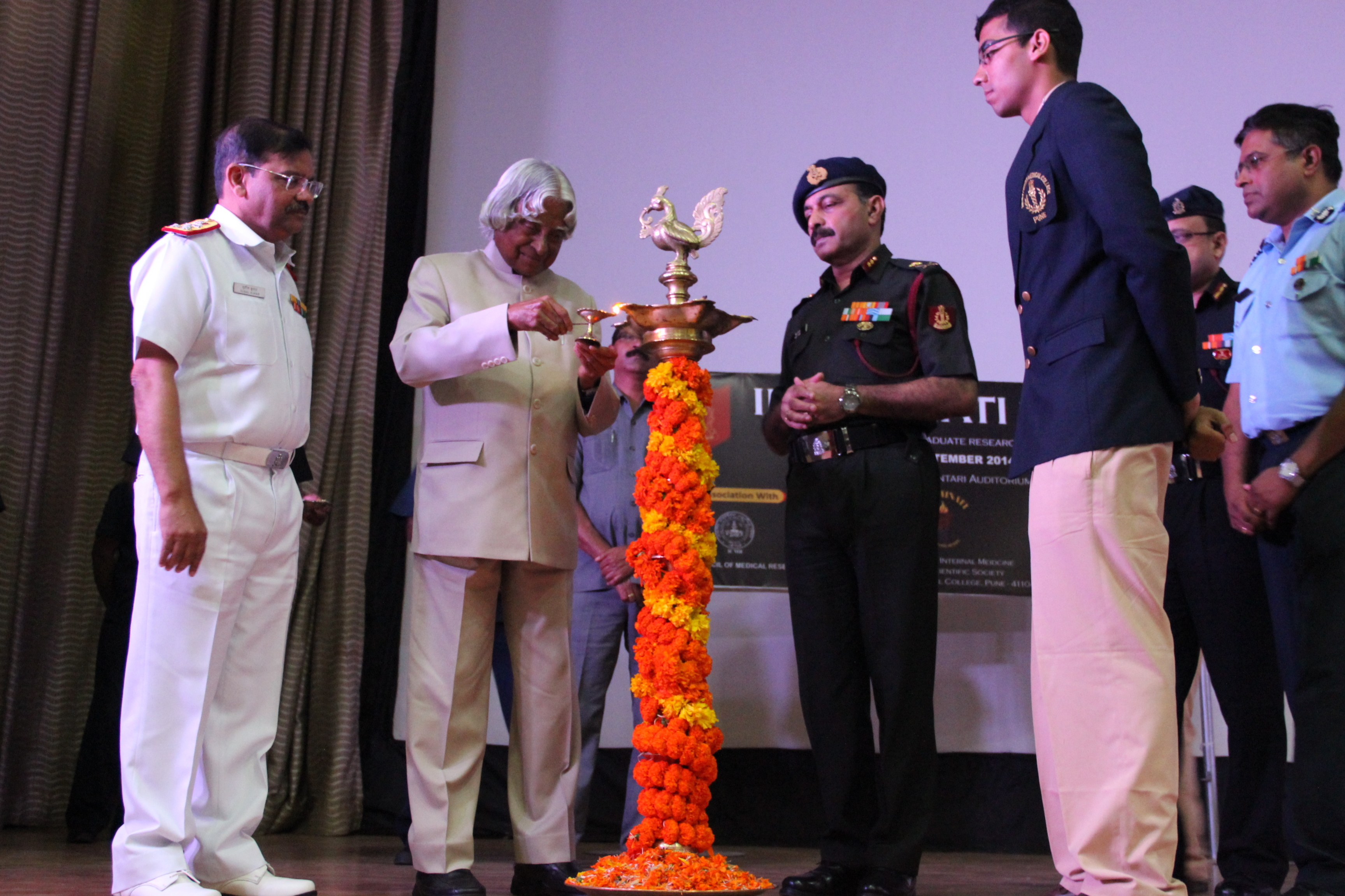 File:Dr. A.P.J. Abdul Kalam, Former President Of India Lighting The Lamp At
