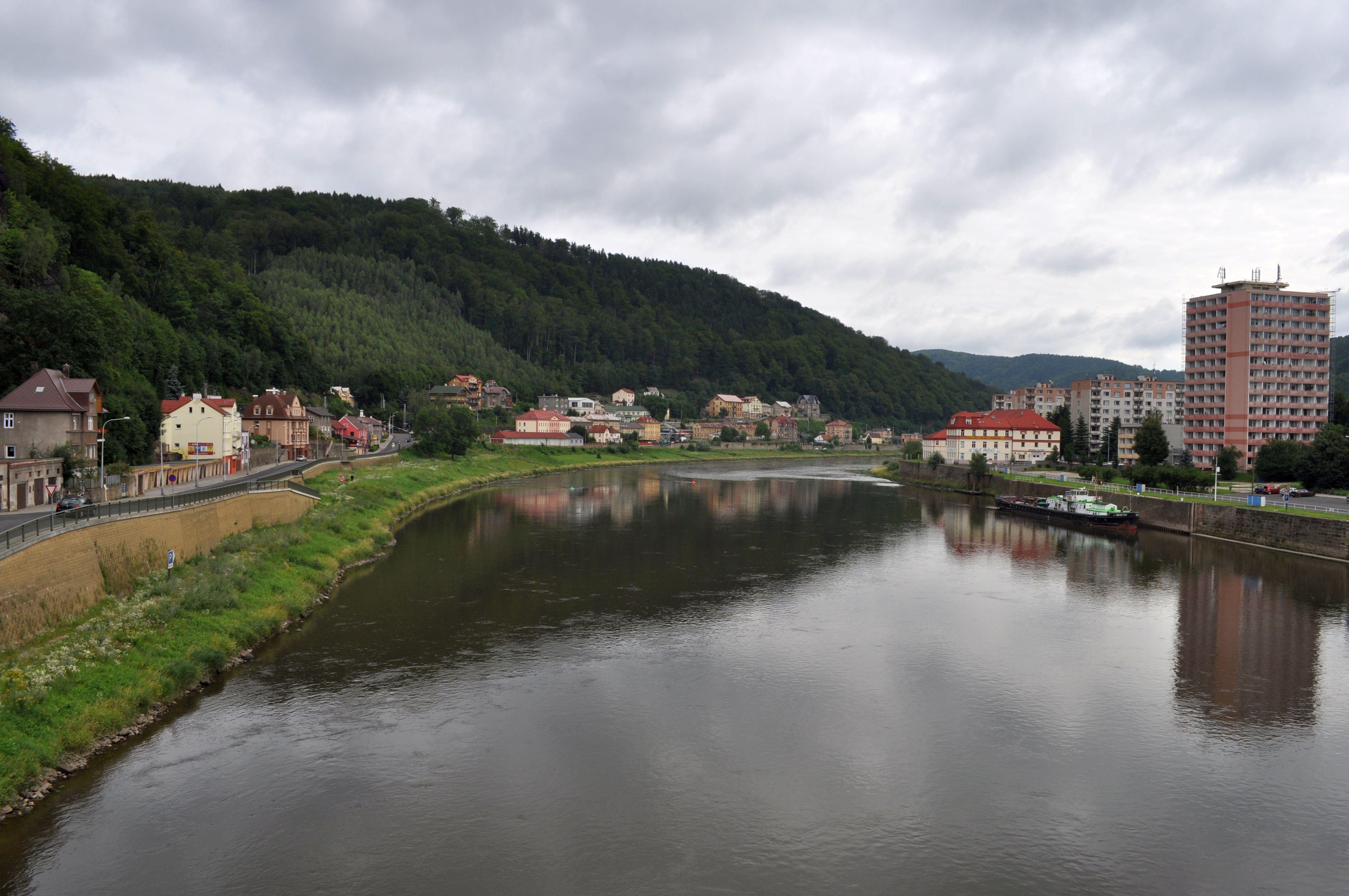 FileElbe River In Děčín Czech Republic Jpg Wikimedia Commons - Elbe river