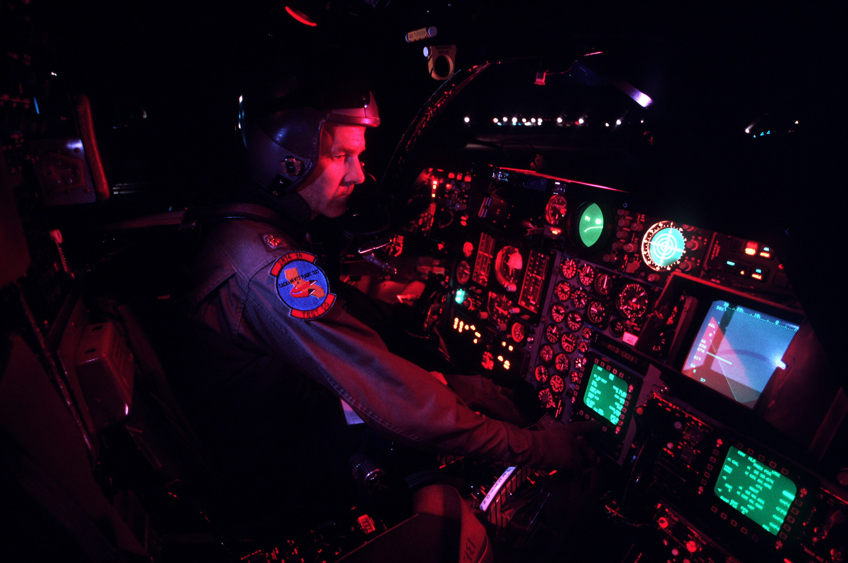 File:F-111 Night Cockpit.jpg - Wikimedia Commons