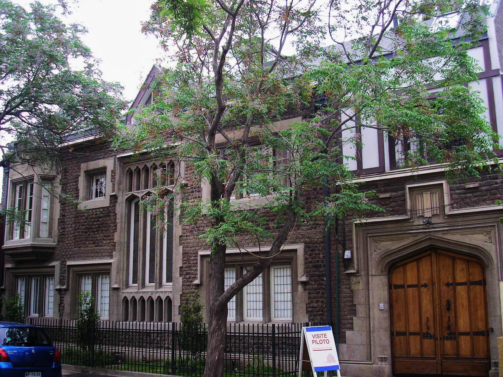 File fachada casa de hijos de ignacio domeyko cueto for Fachadas de casas de barrio
