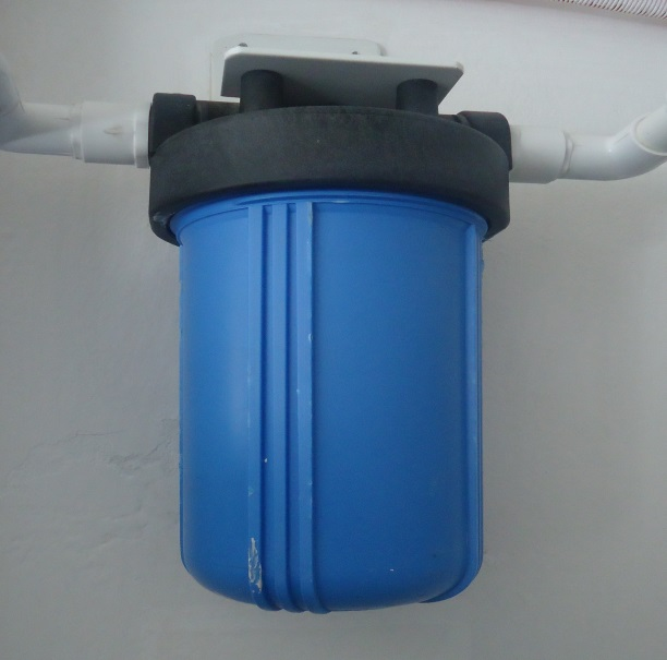 Purificaci n de agua potable wikipedia la enciclopedia libre - Filtros para grifos de agua ...