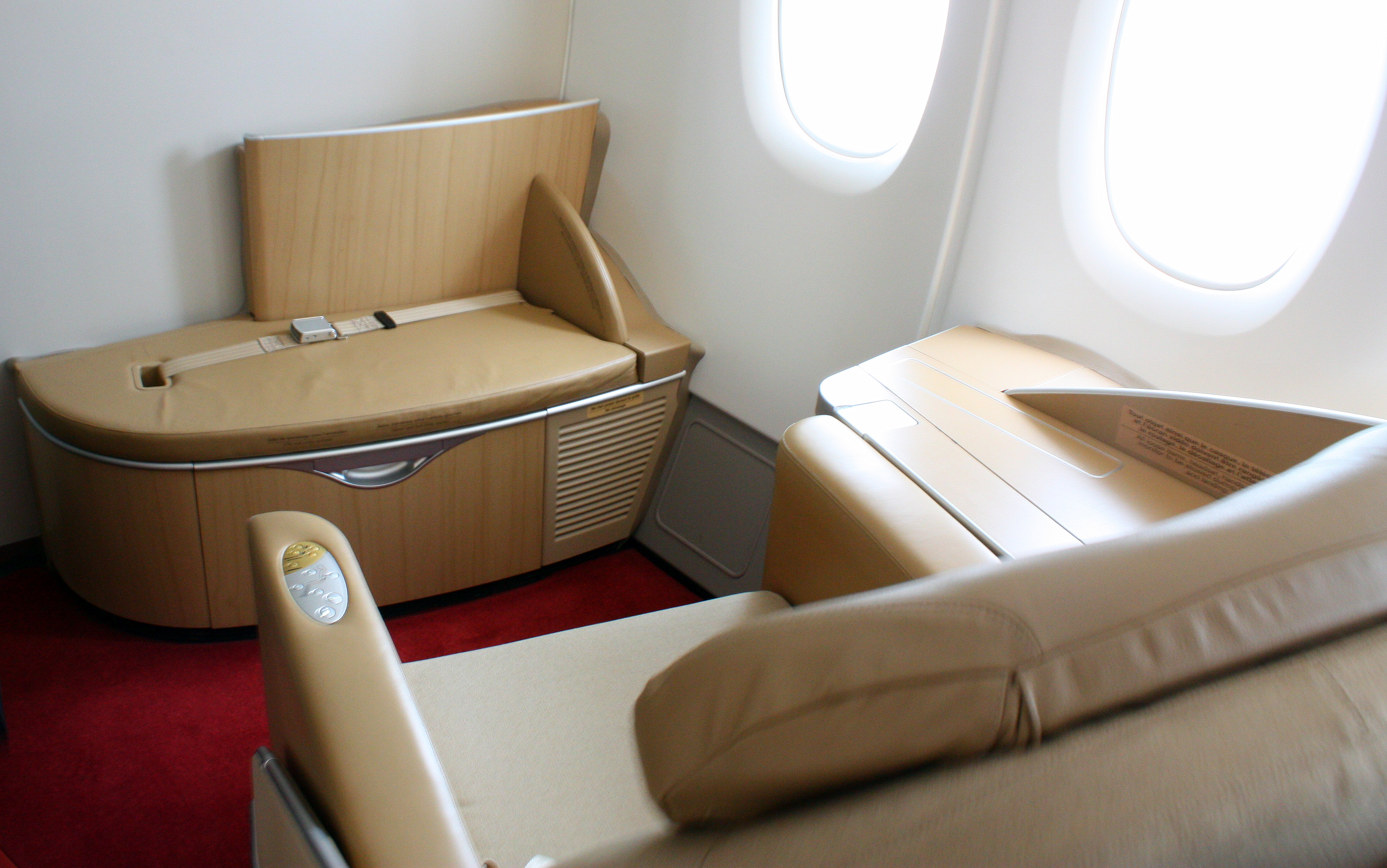 File First Class Onboard Air France A380 F Hpjb 4943016334 Jpg Wikimedia Commons