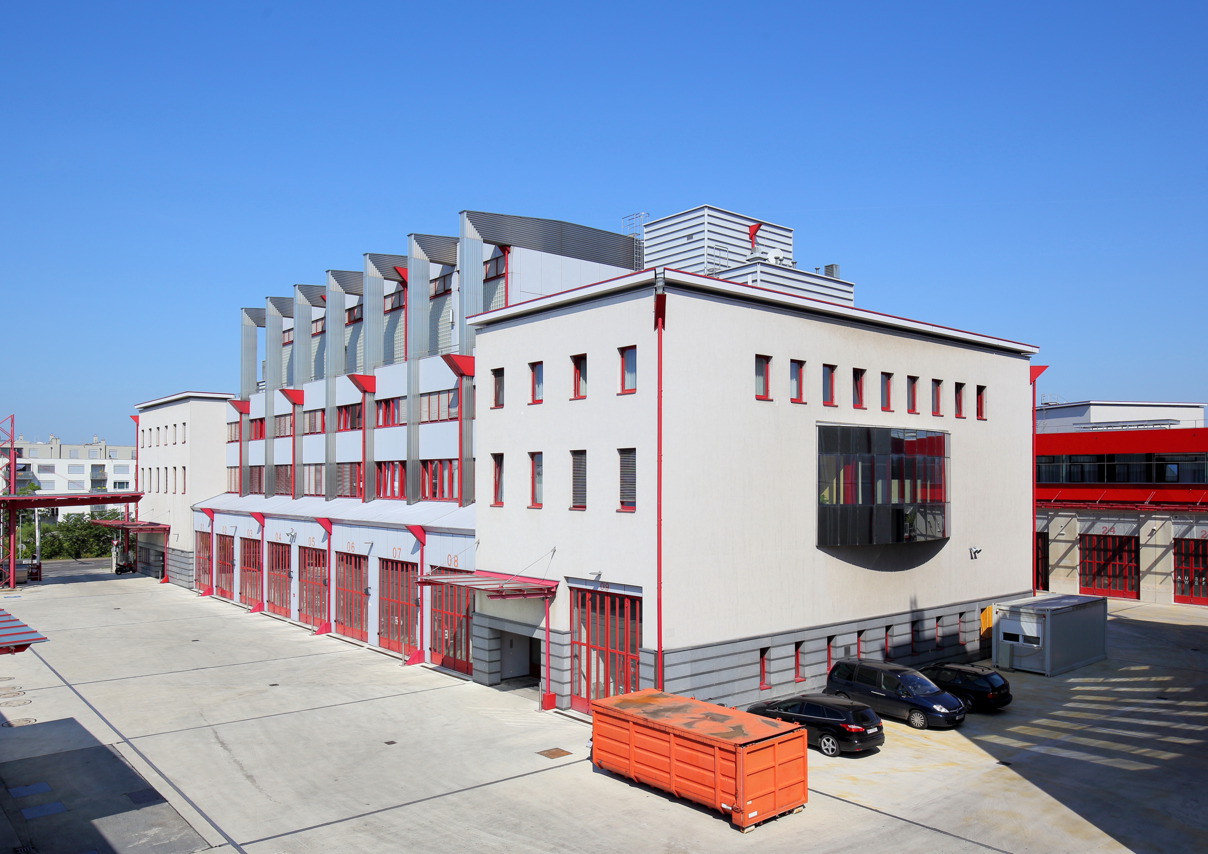Floridsdorf - Hauptfeuerwache, Josef-Brazdovics-Straße.JPG