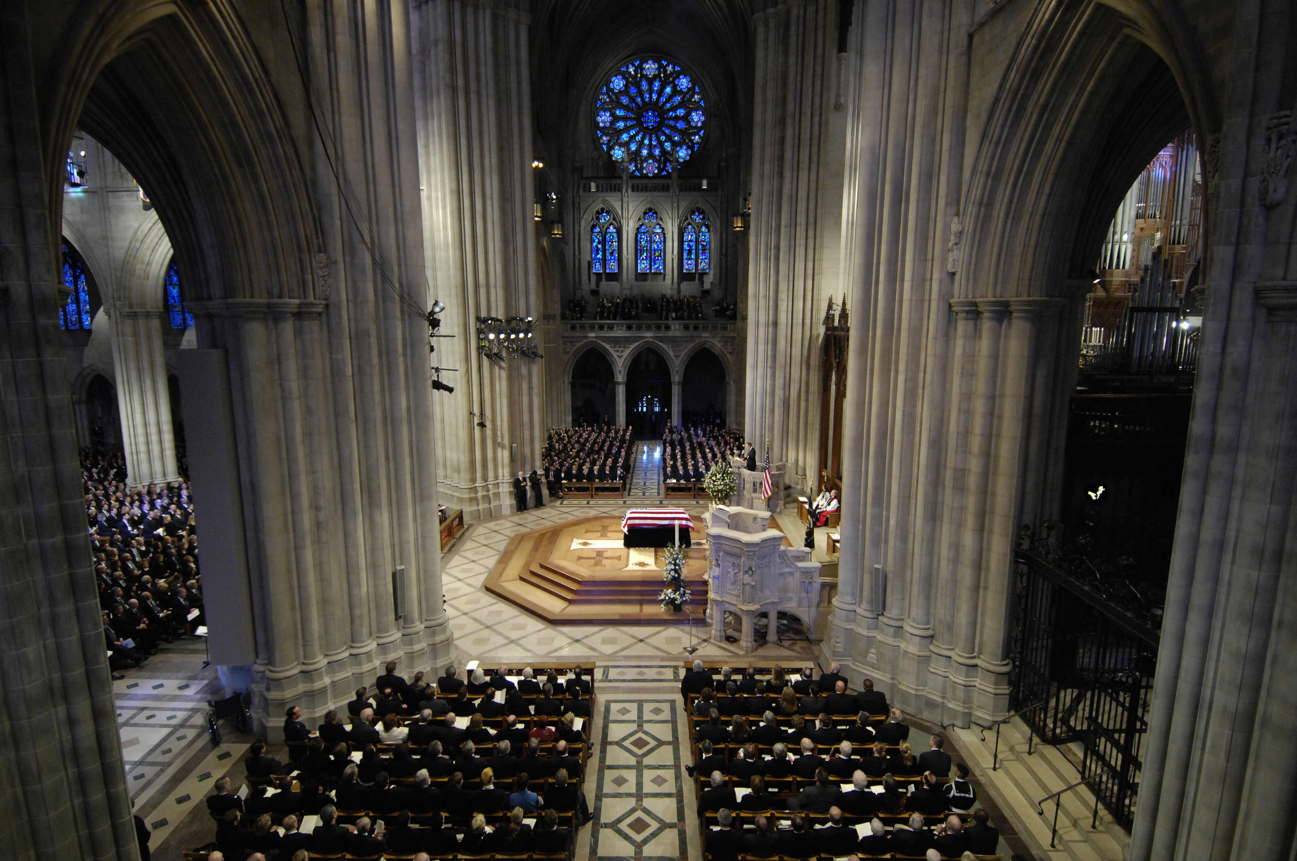 File Ford Funeral At National Cathedral Wide View Jpg