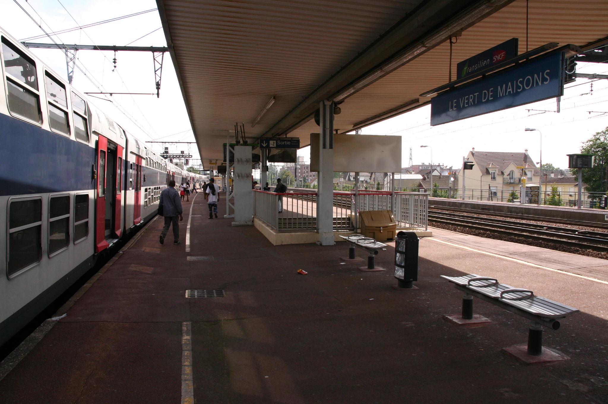 file gare du vert-de-maisons img 7352 jpg