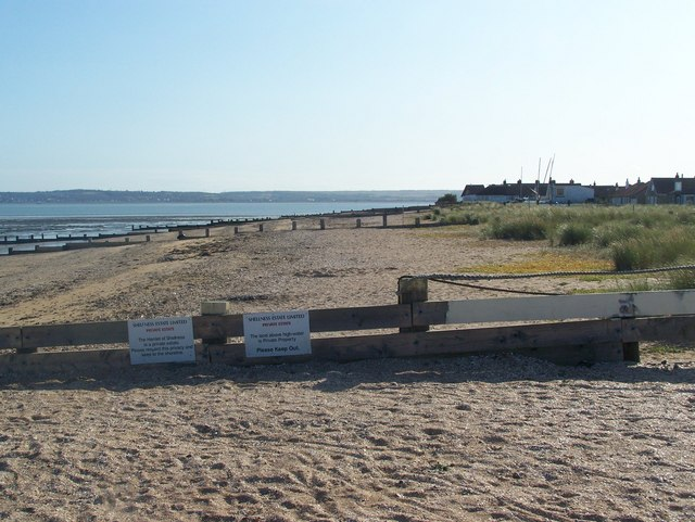Hamlet of Shellness, Private Beach and Groynes - geograph.org.uk - 1019445