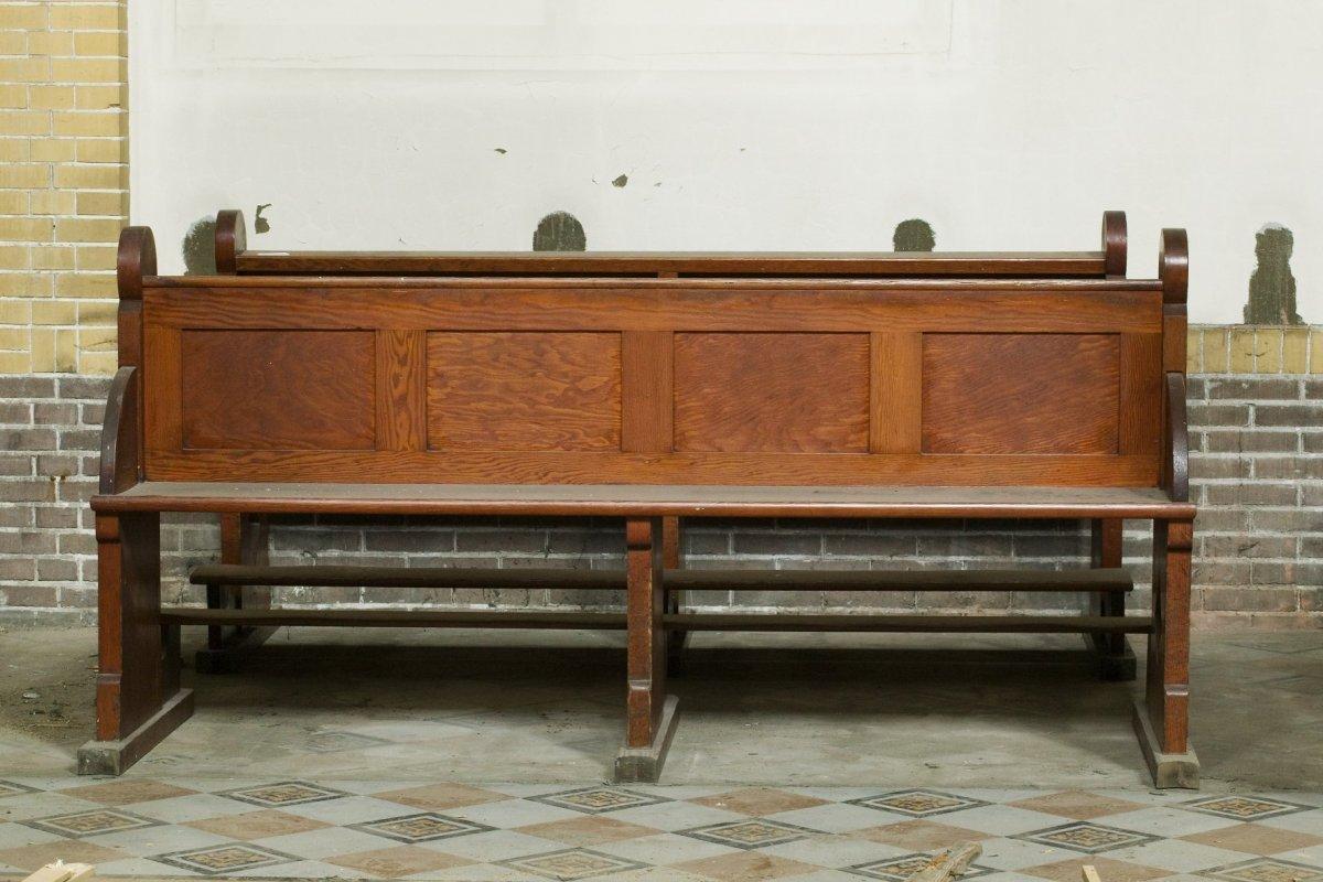 fileinterieur koorbank uit de jaren 30 tijdens restauratie alkmaar