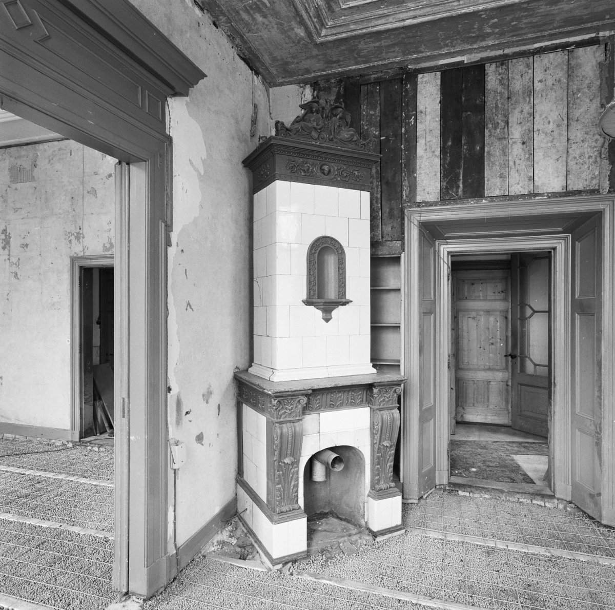 File interieur villa russische kachel met terracotta for Interieur 605