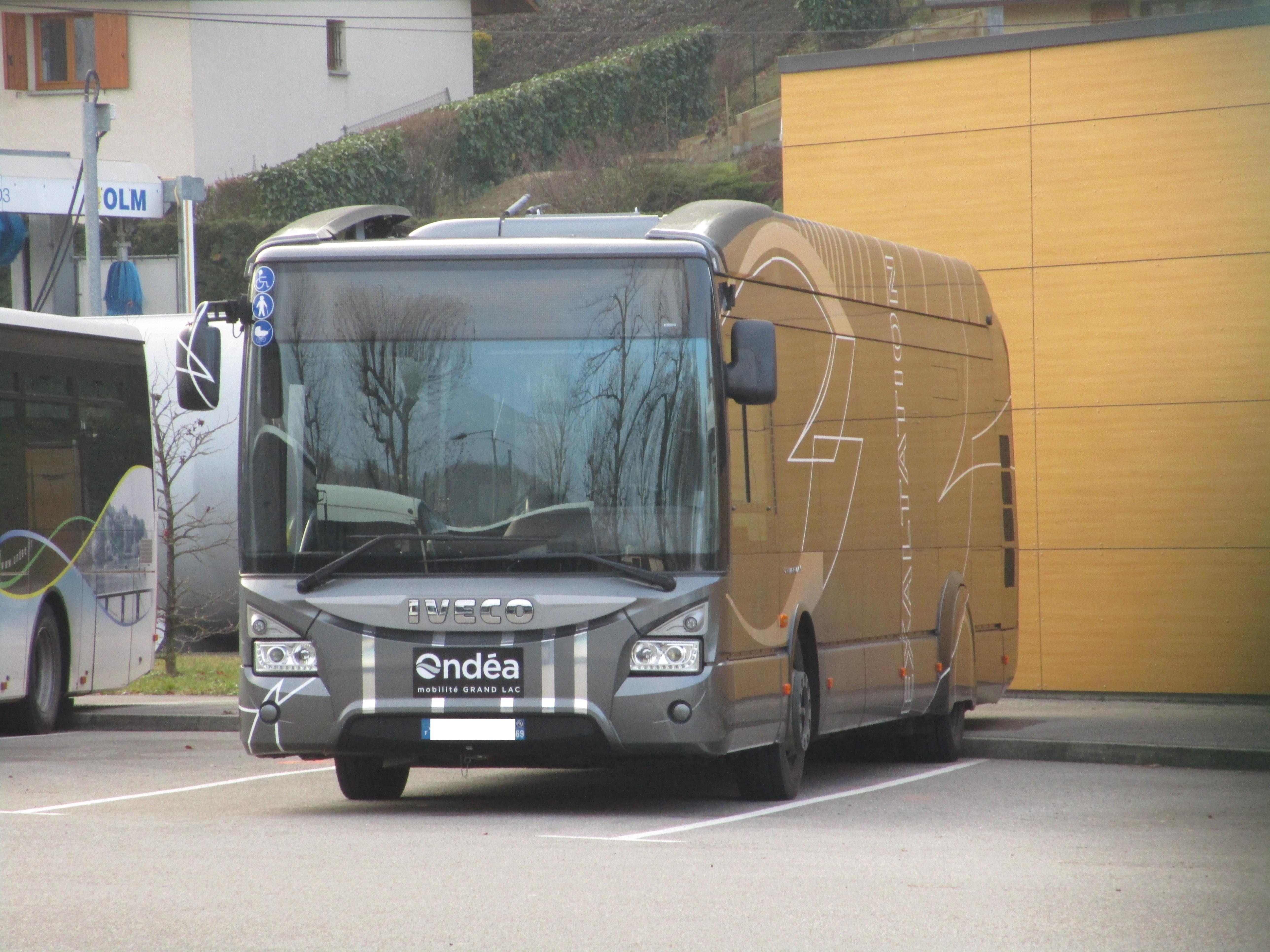 File Iveco Urbanway 12 Hybrid Ond A Aix Les Bains Jpg
