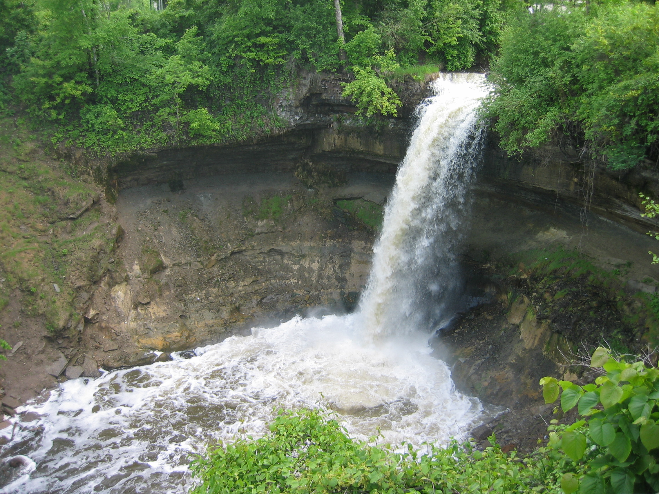Check Out Minnehaha Falls Laughing Water In Minneapolis