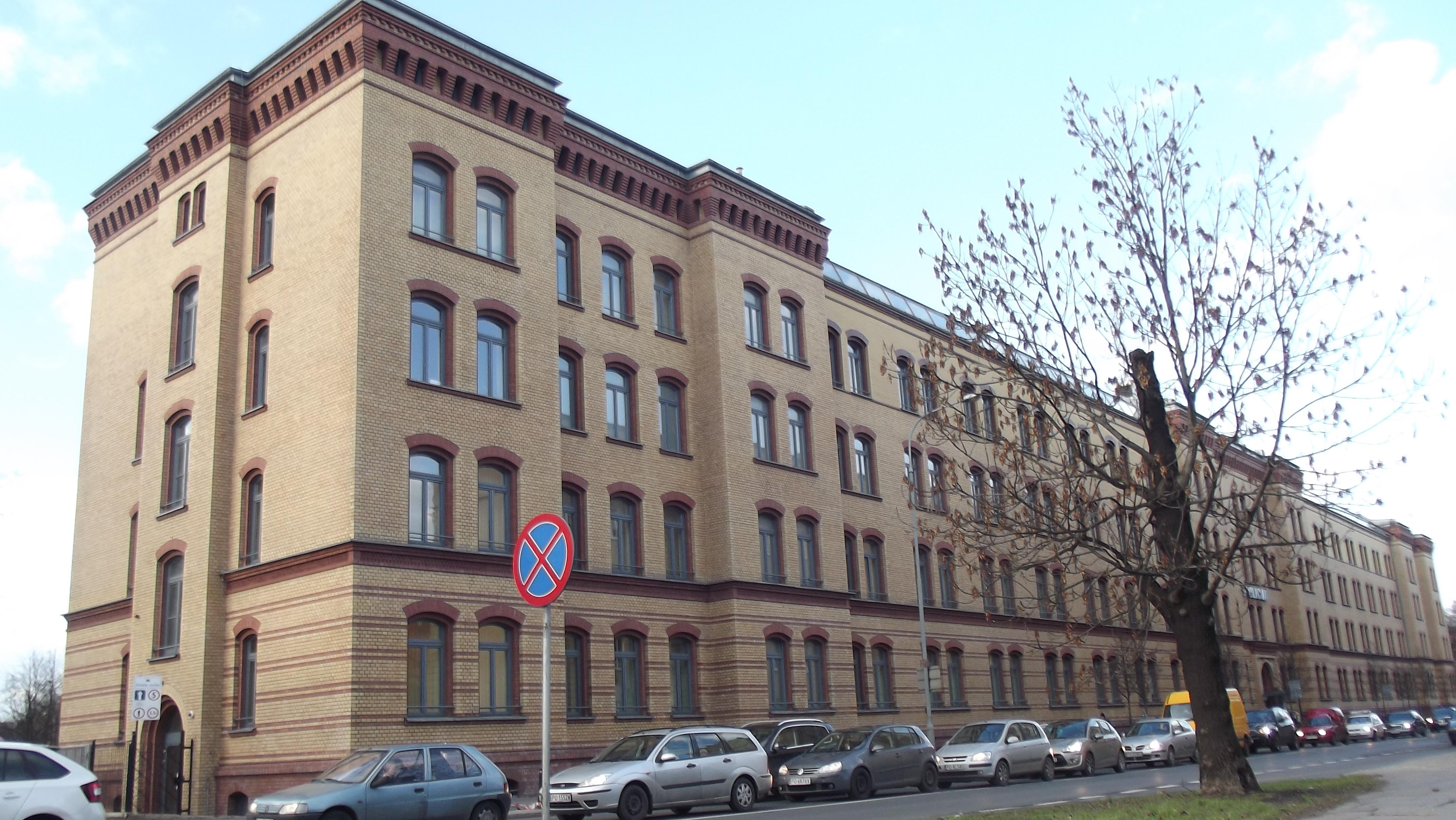 Komenda Miejska Policji w Poznaniu 1a1d487e738