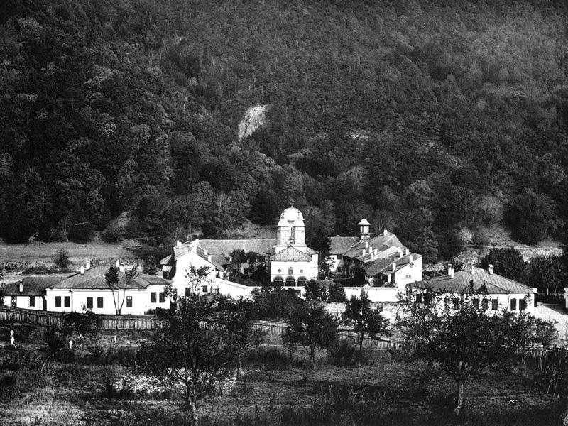 file la monastere de cozia dep de valtcha jpg wikimedia commons