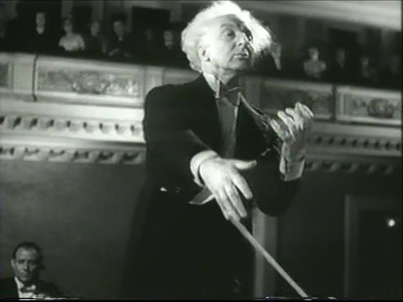 Leopold_Stokowski_-_Carnegie_Hall_1947_%
