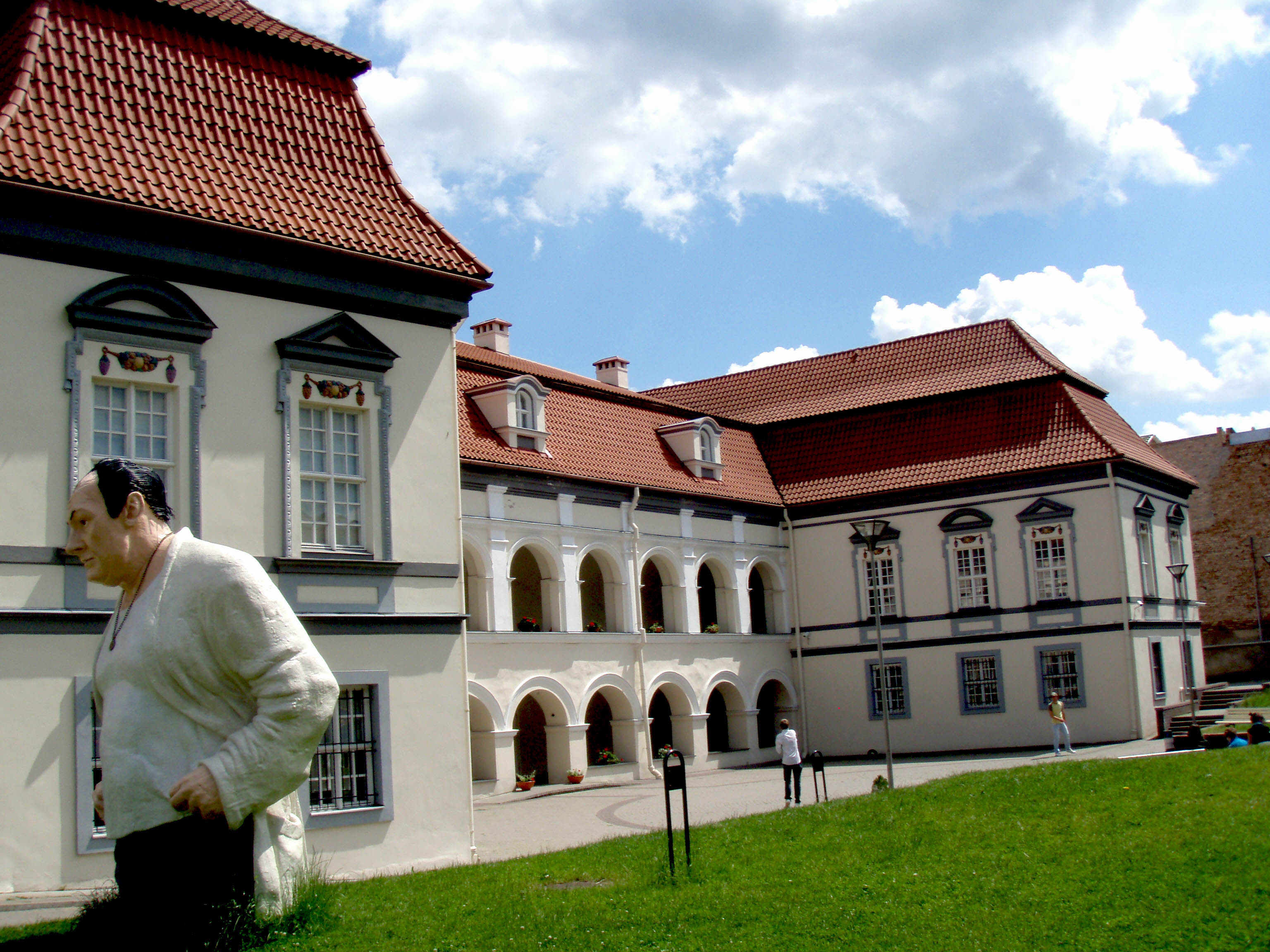 Lietuvos_teatro_muzikos_ir_kino_muziejus.jpg
