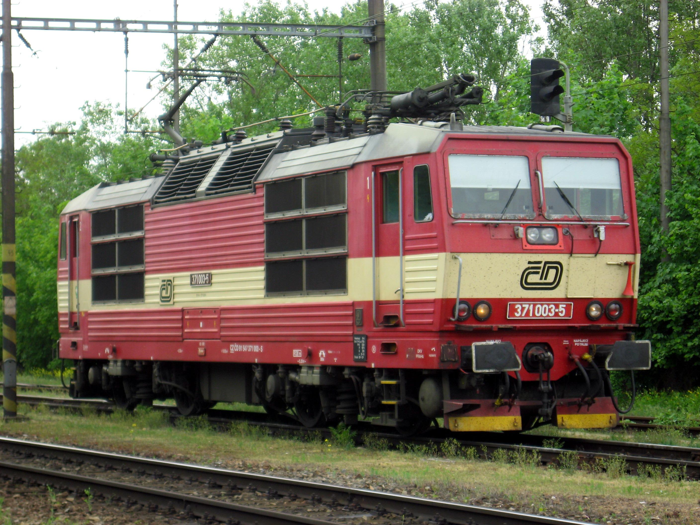 File:Lokomotiva 371 v Holešovicích.jpg