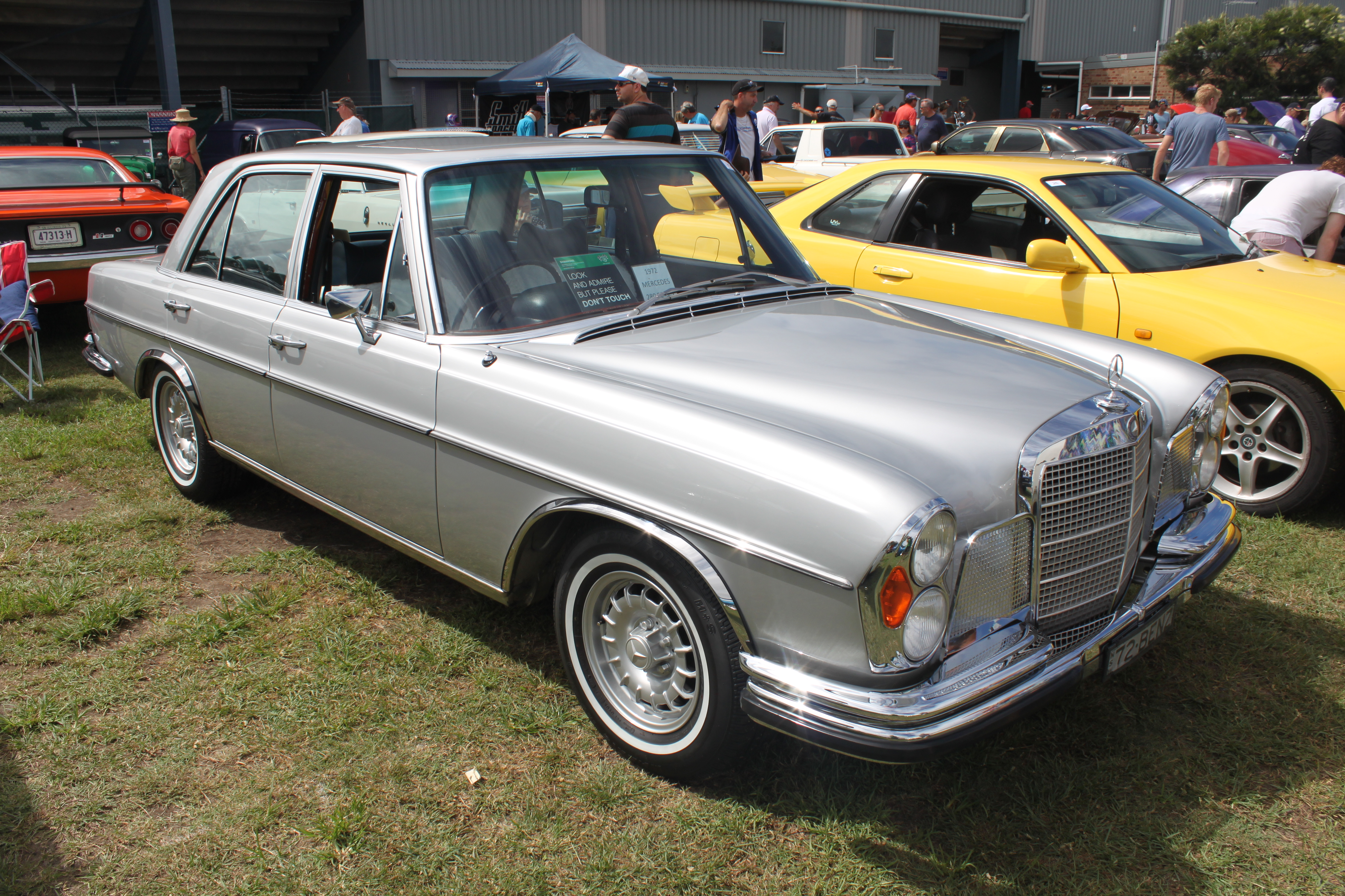 File mercedes benz w108 280se 3 5 16424993127 jpg for Mercedes benz 108