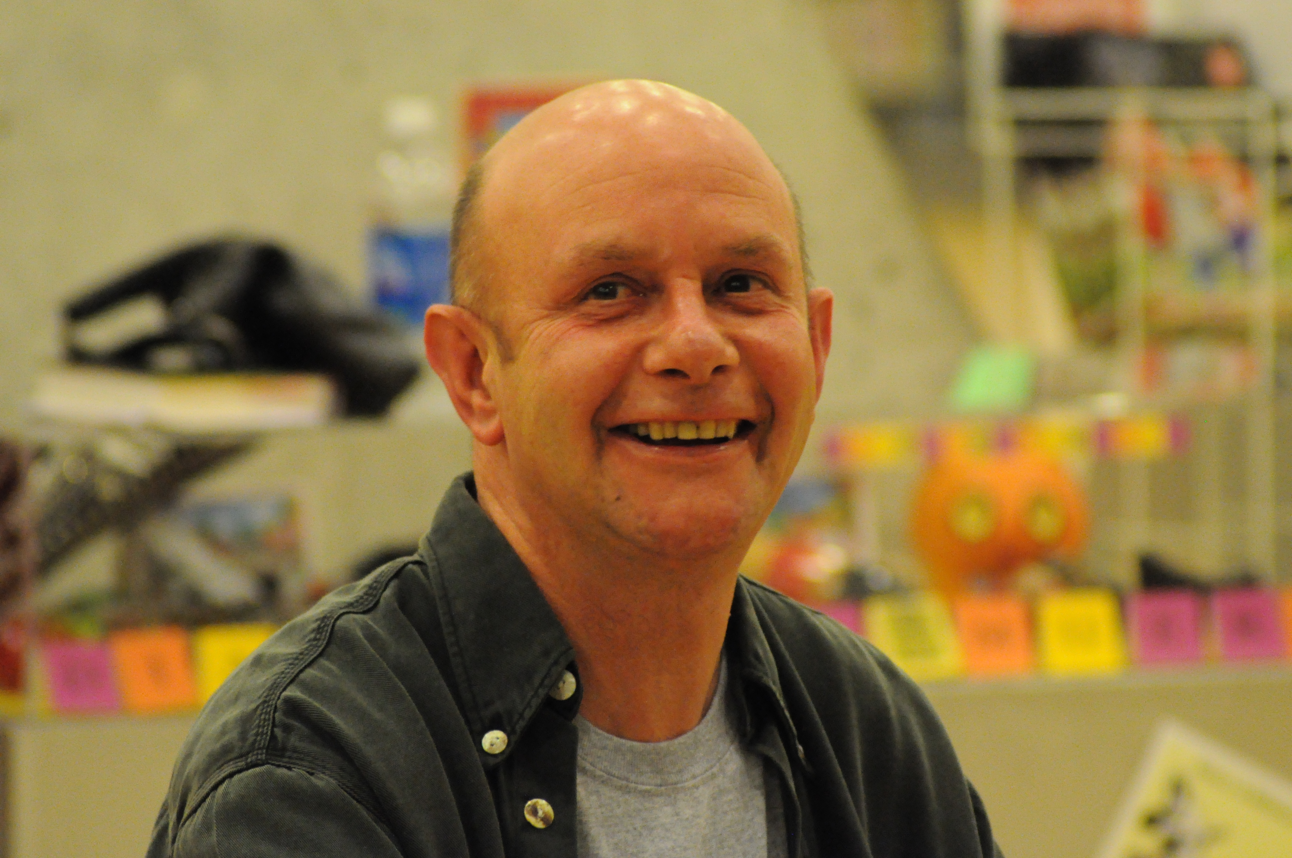 The 61-year old son of father Sir Derek Peter Hornby and mother Margaret Audrey Nick Hornby in 2018 photo. Nick Hornby earned a  million dollar salary - leaving the net worth at 22 million in 2018